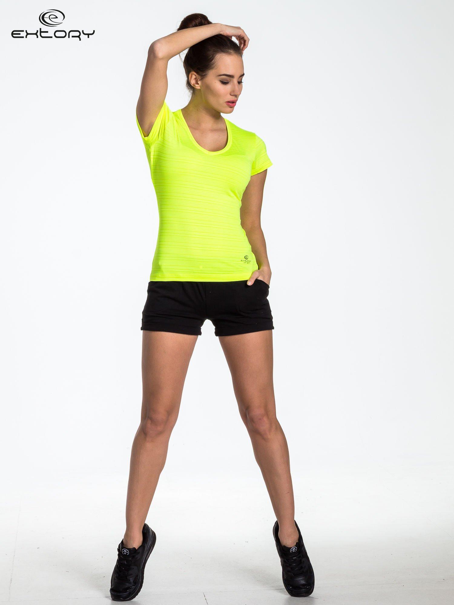 Fluożółty t-shirt sportowy w paseczki                                  zdj.                                  2