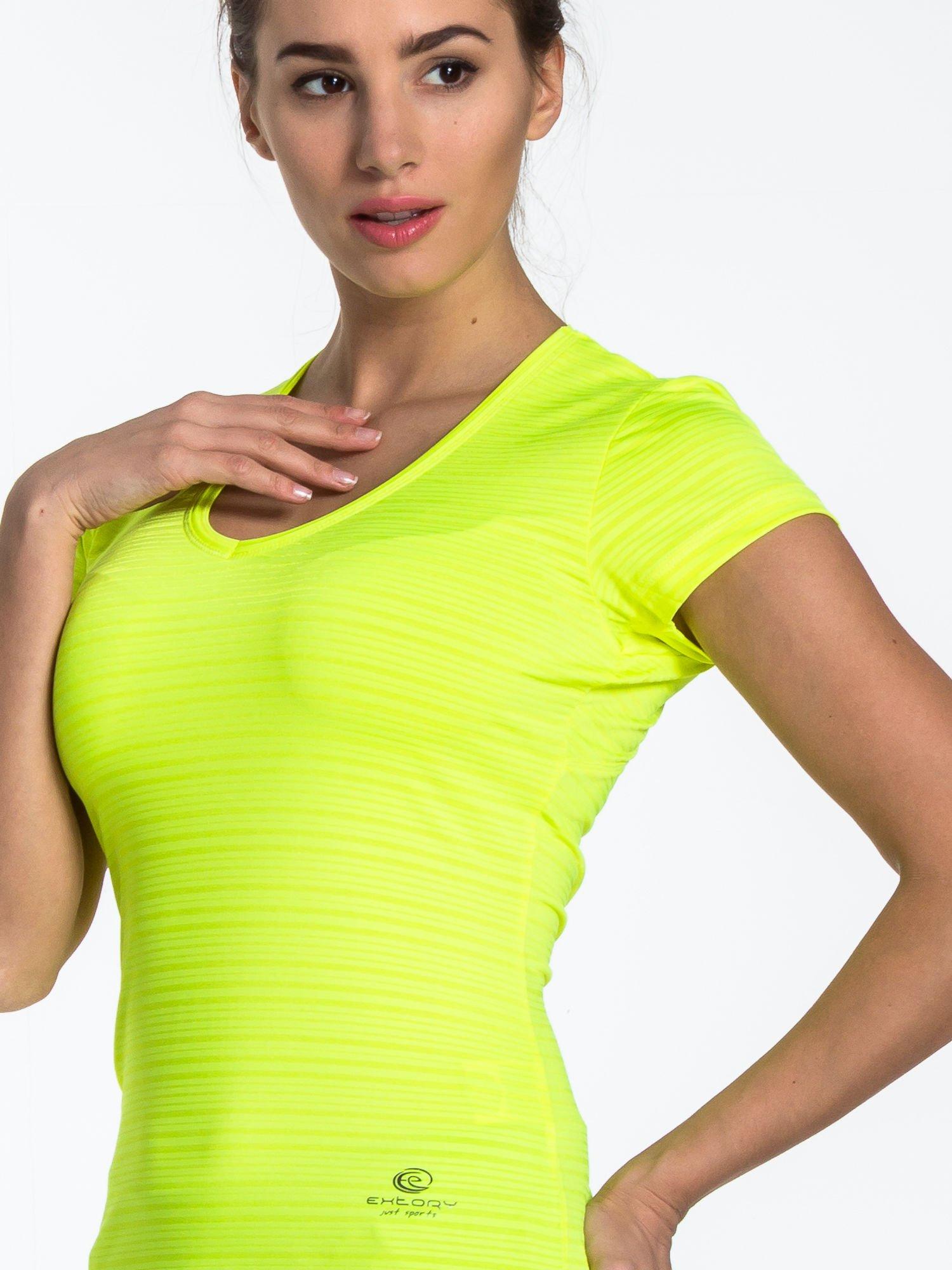 Fluożółty t-shirt sportowy w paseczki                                  zdj.                                  4