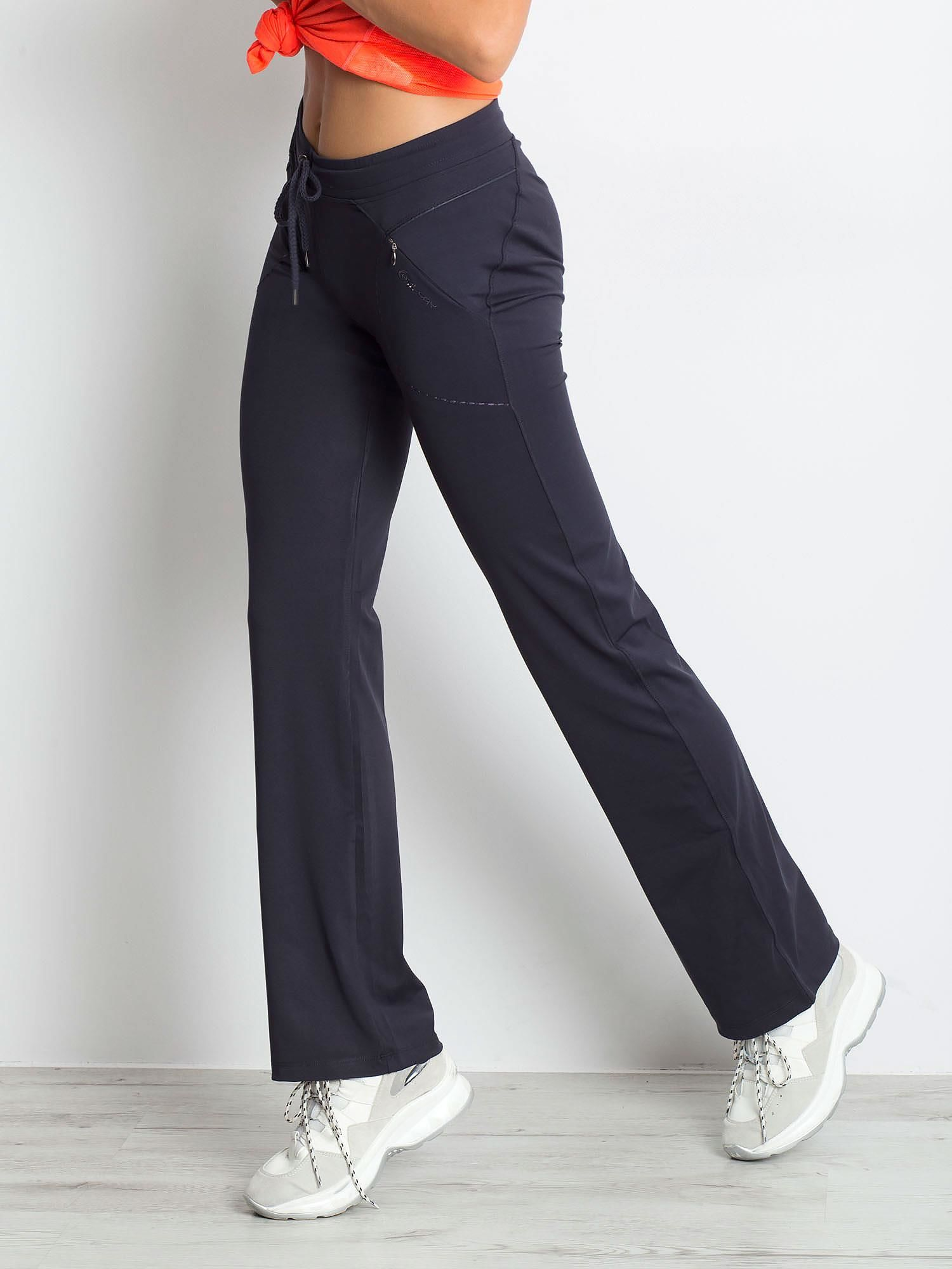Grafitowe spodnie dresowe z wszytą kieszonką                                  zdj.                                  3