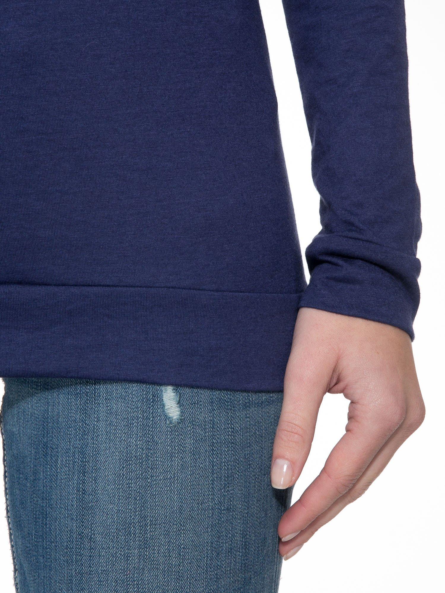 Granatowa bawełniana bluzka z rękawami typu reglan                                  zdj.                                  5