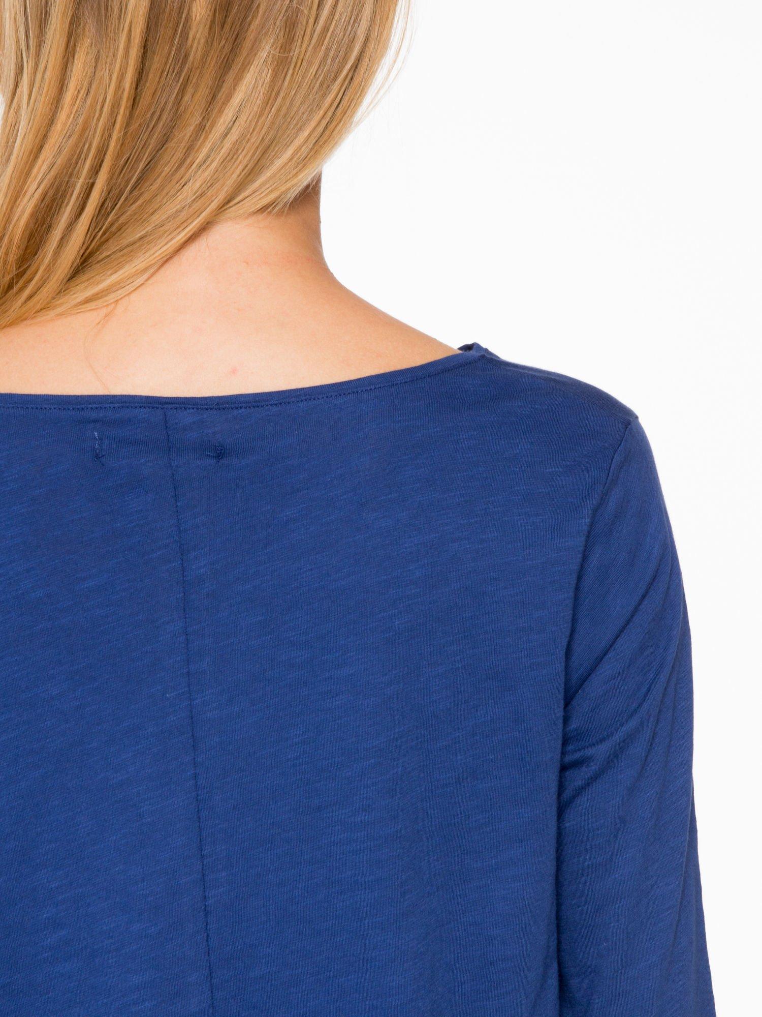 Granatowa bluzka o rozkloszowanym kroju z rękawem 3/4                                  zdj.                                  8