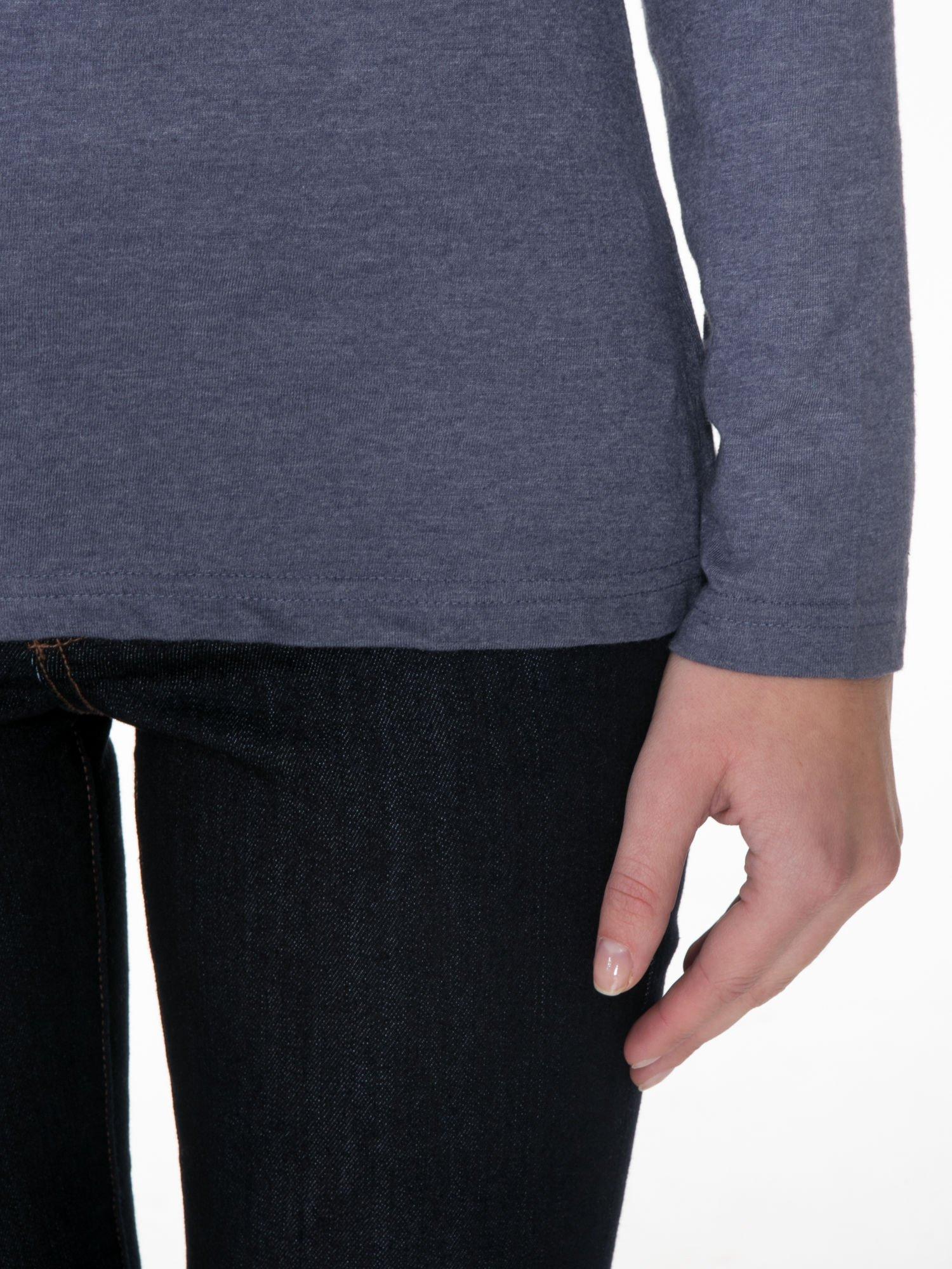Granatowa gładka bluzka z reglanowymi rękawami                                  zdj.                                  6