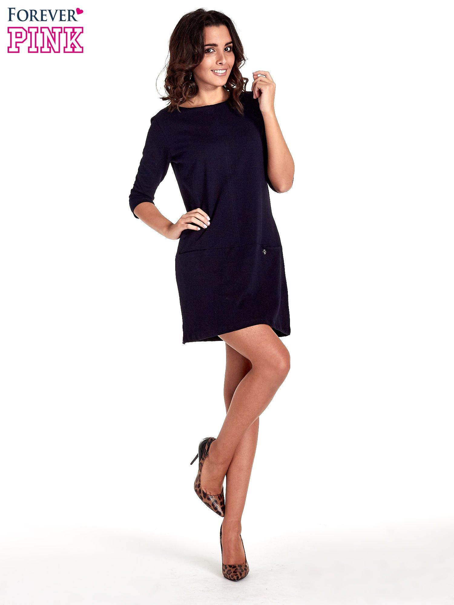 Granatowa prosta sukienka z kieszeniami                                   zdj.                                  8