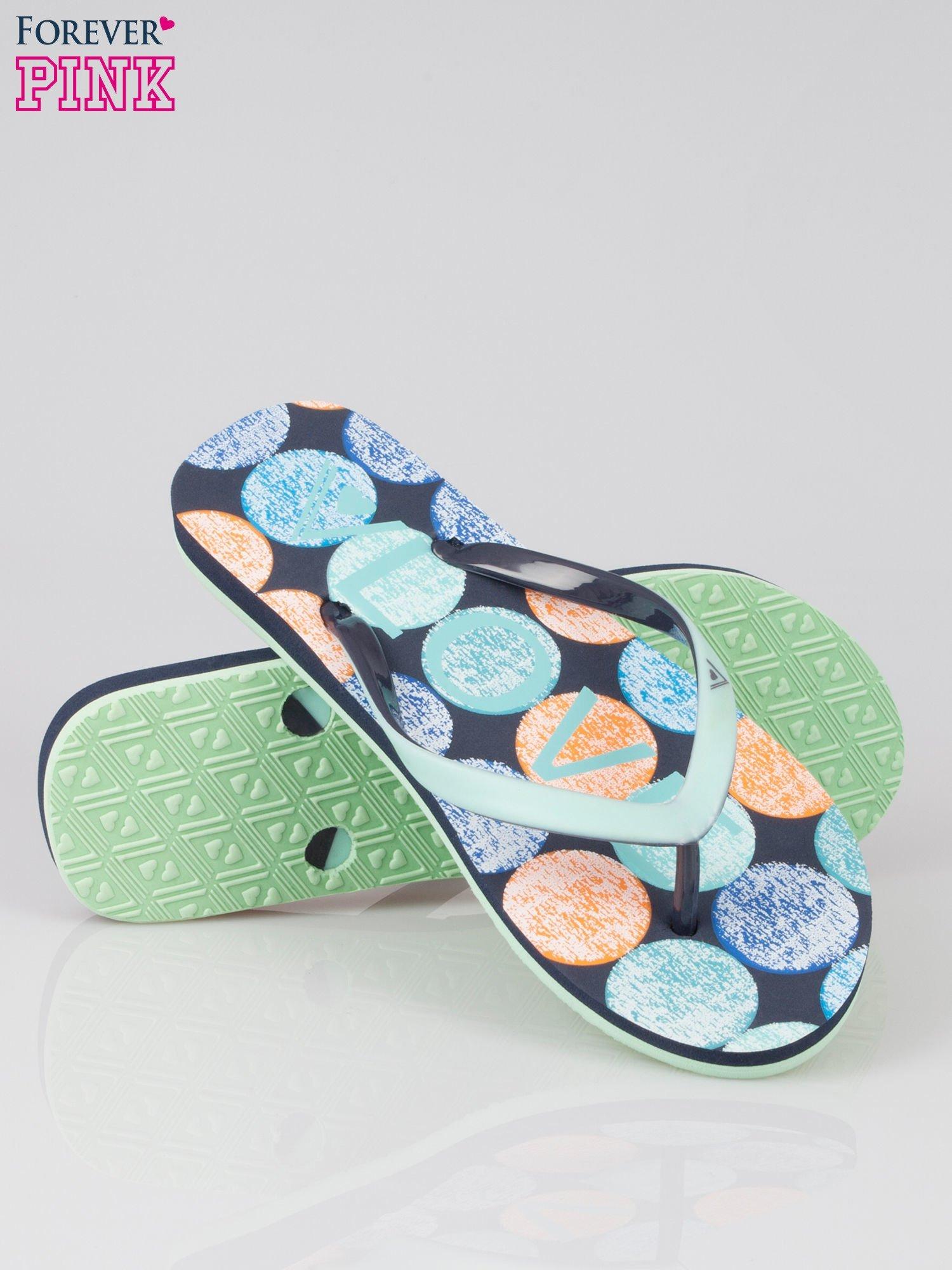 Granatowe japonki plażowe z kolorową podeszwą                                  zdj.                                  4