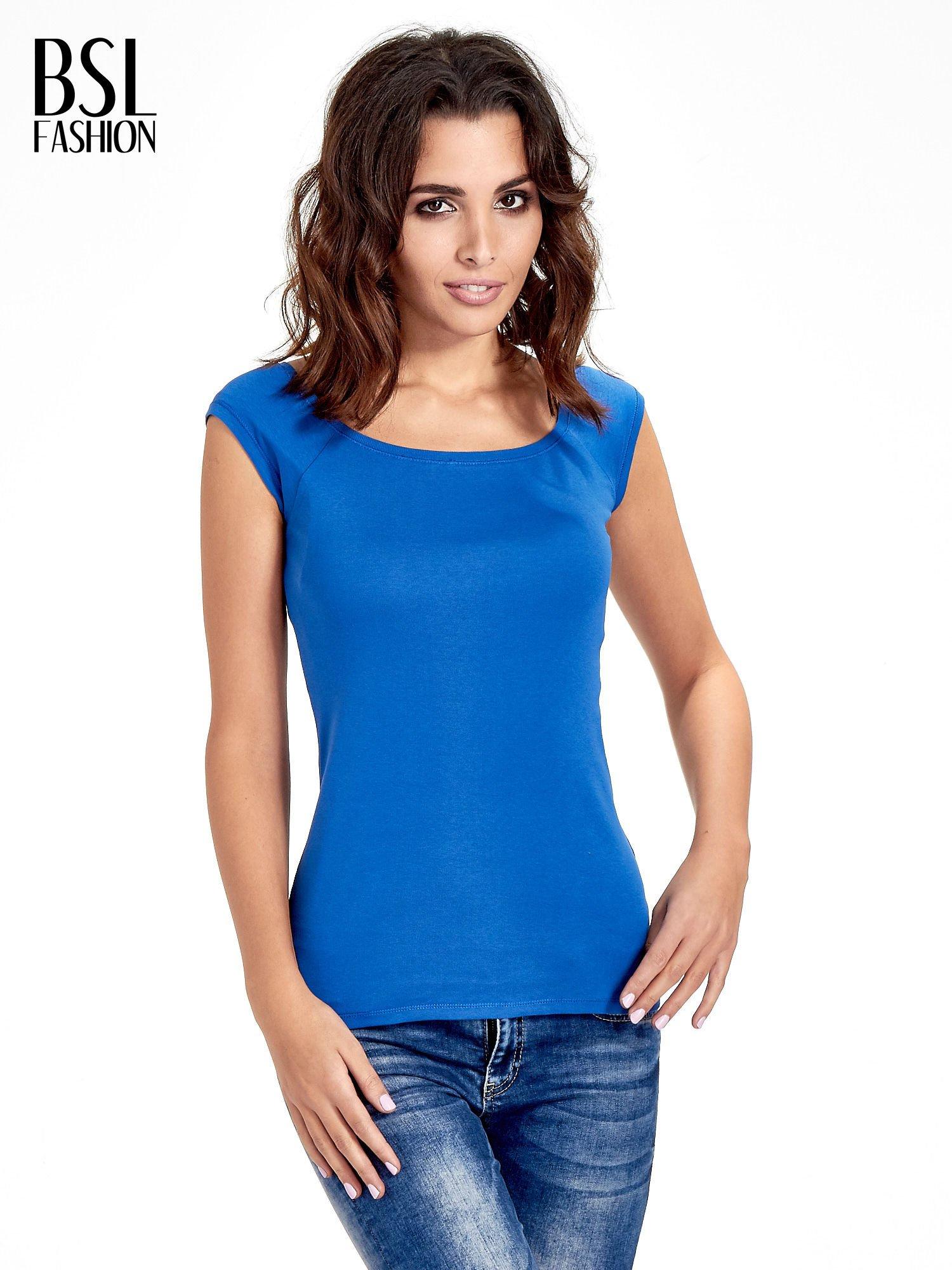 Granatowy gładki t-shirt z łódkowym dekoltem                                  zdj.                                  1