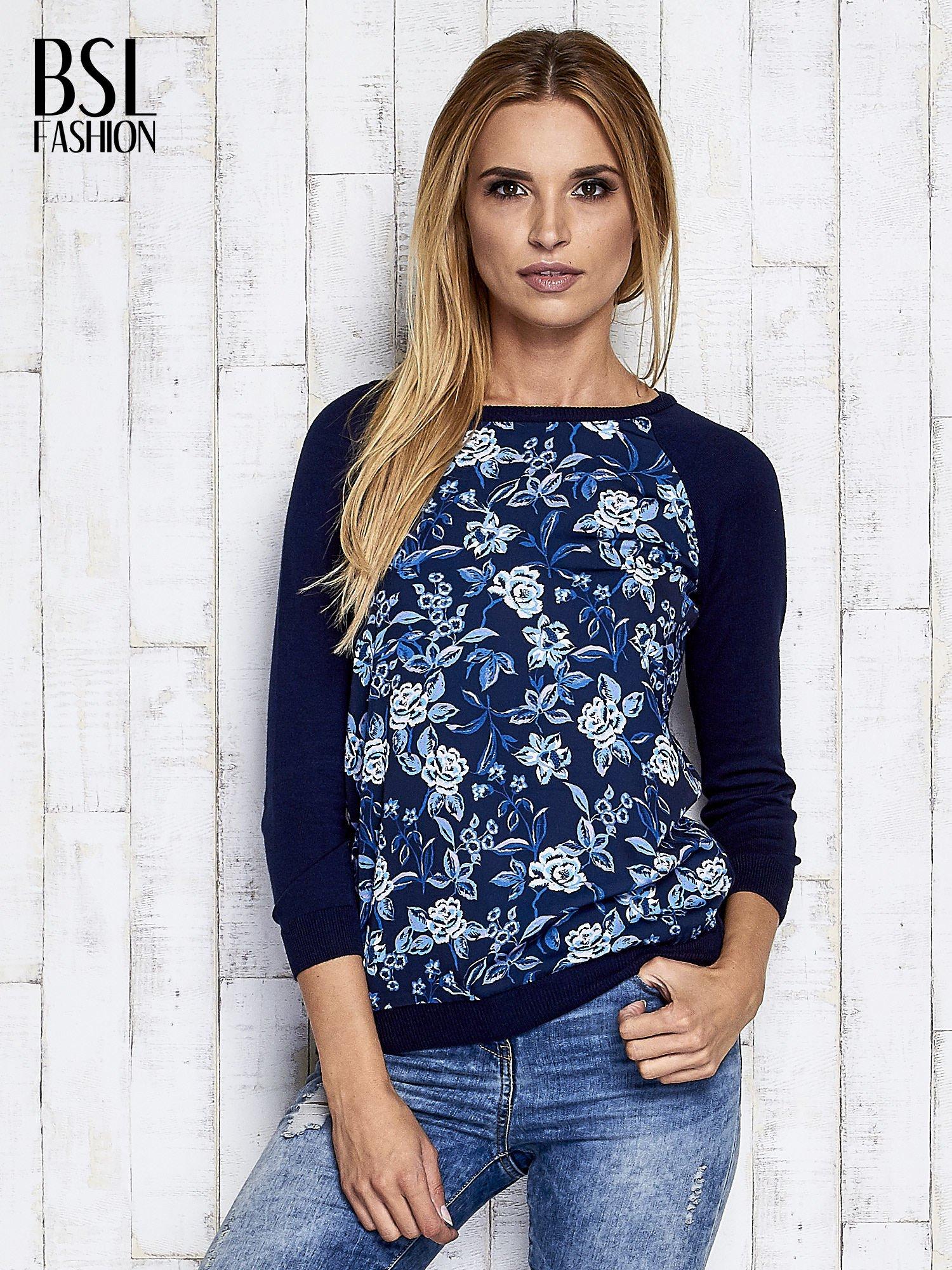 Granatowy kwiatowy sweter z łączonych materiałów                                  zdj.                                  8