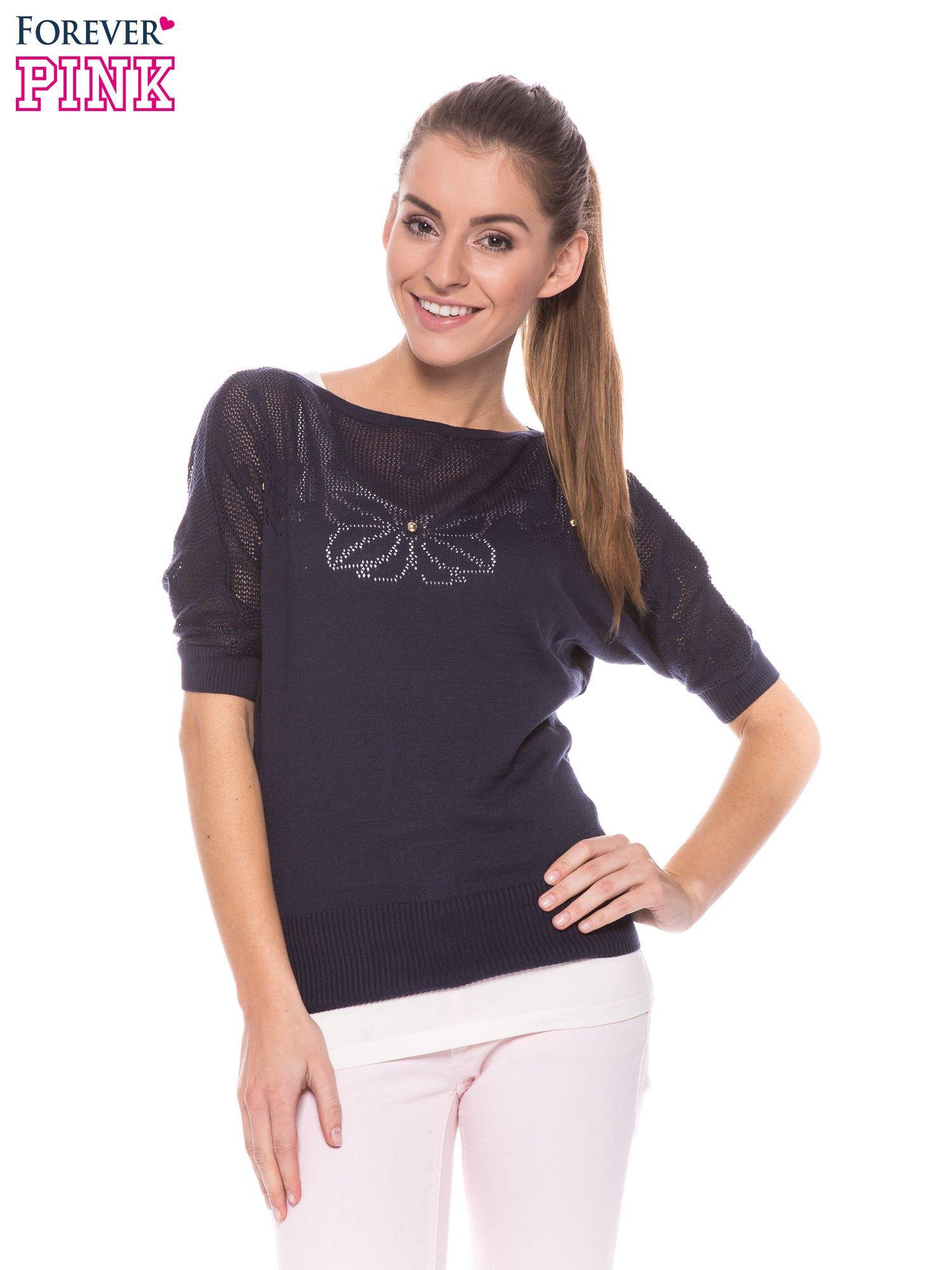 Granatowy sweter z ażurową górą i krótkim rękawkiem                                  zdj.                                  1