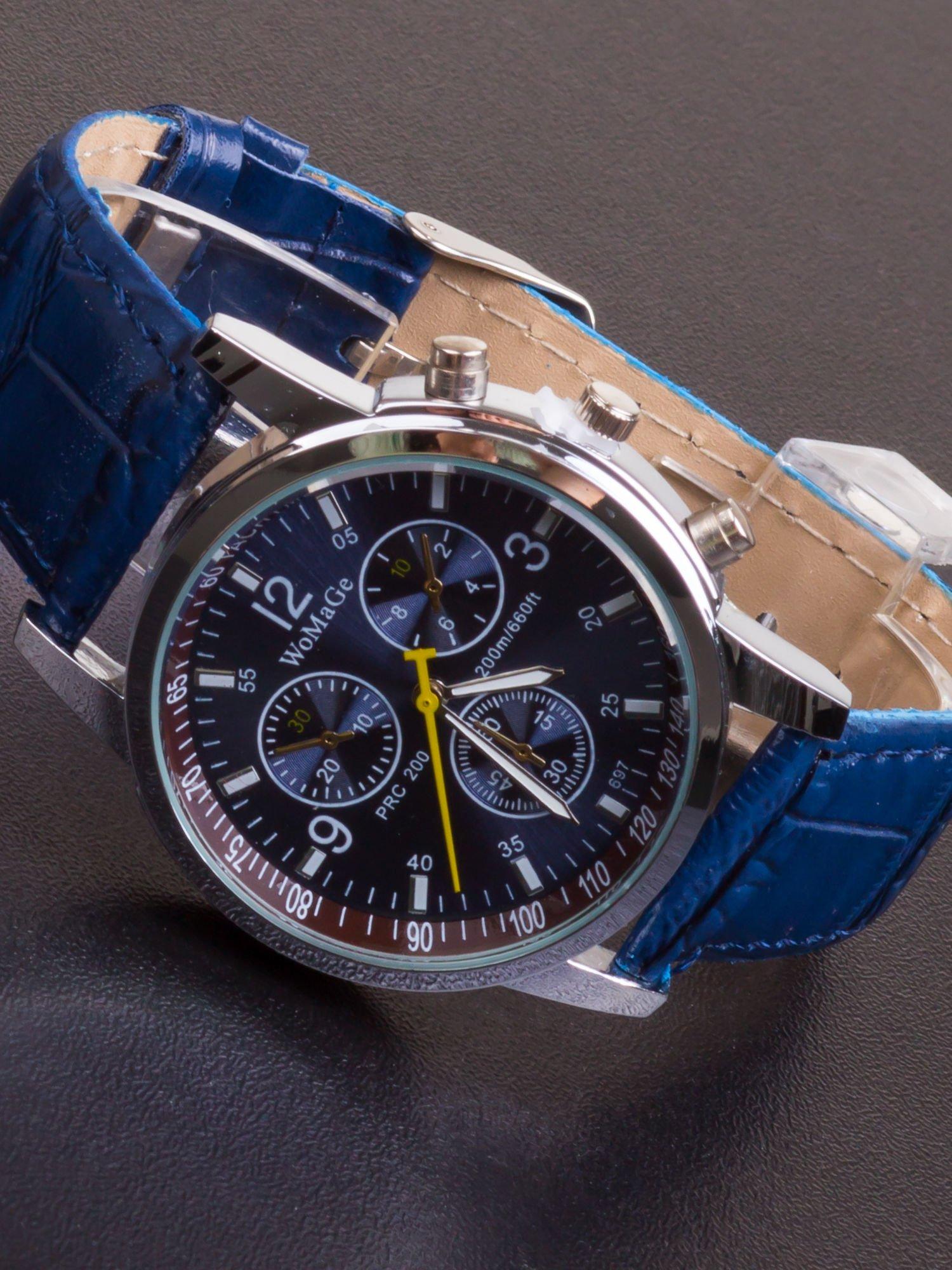 Granatowy zegarek damski z ozdobnym tachometrem                                  zdj.                                  1