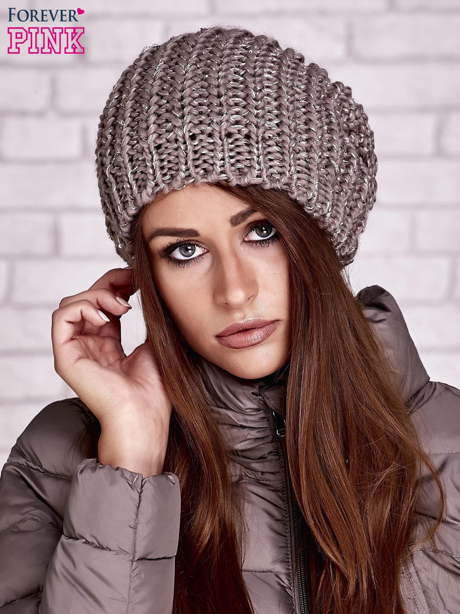 Jasnobrązowa dziergana czapka z cekinami                                  zdj.                                  1