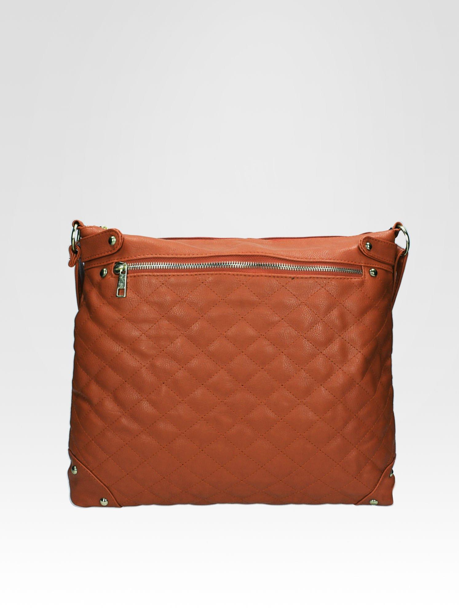 Jasnobrązowa pikowana torebka na ramię                                  zdj.                                  1