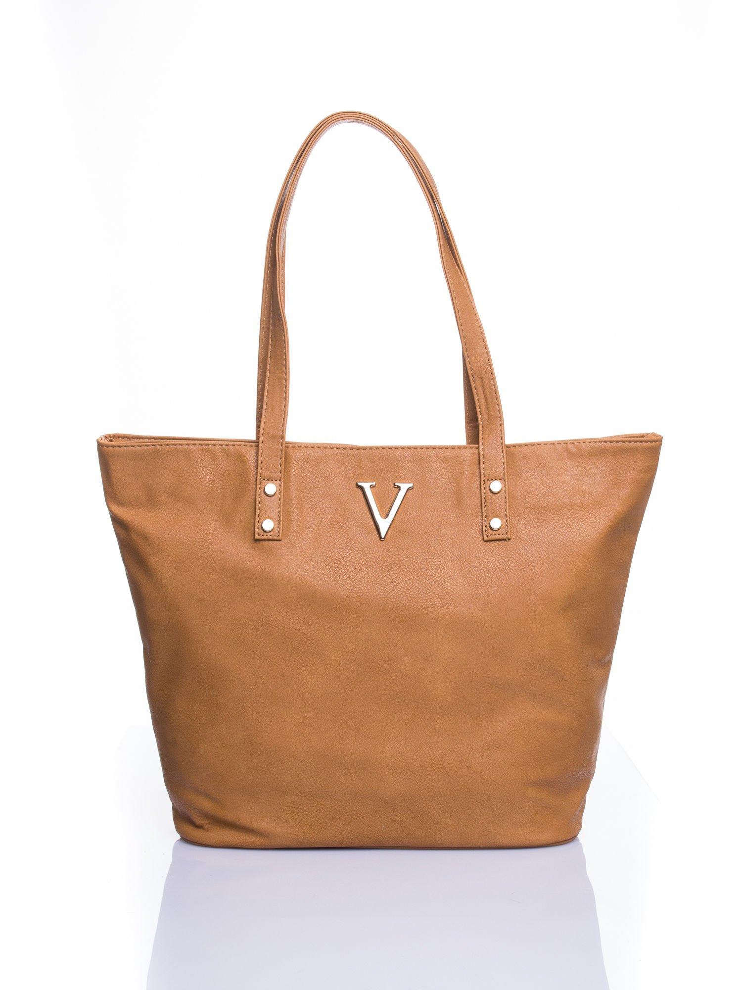 Jasnobrązowa torba ze złotym detalem                                  zdj.                                  1