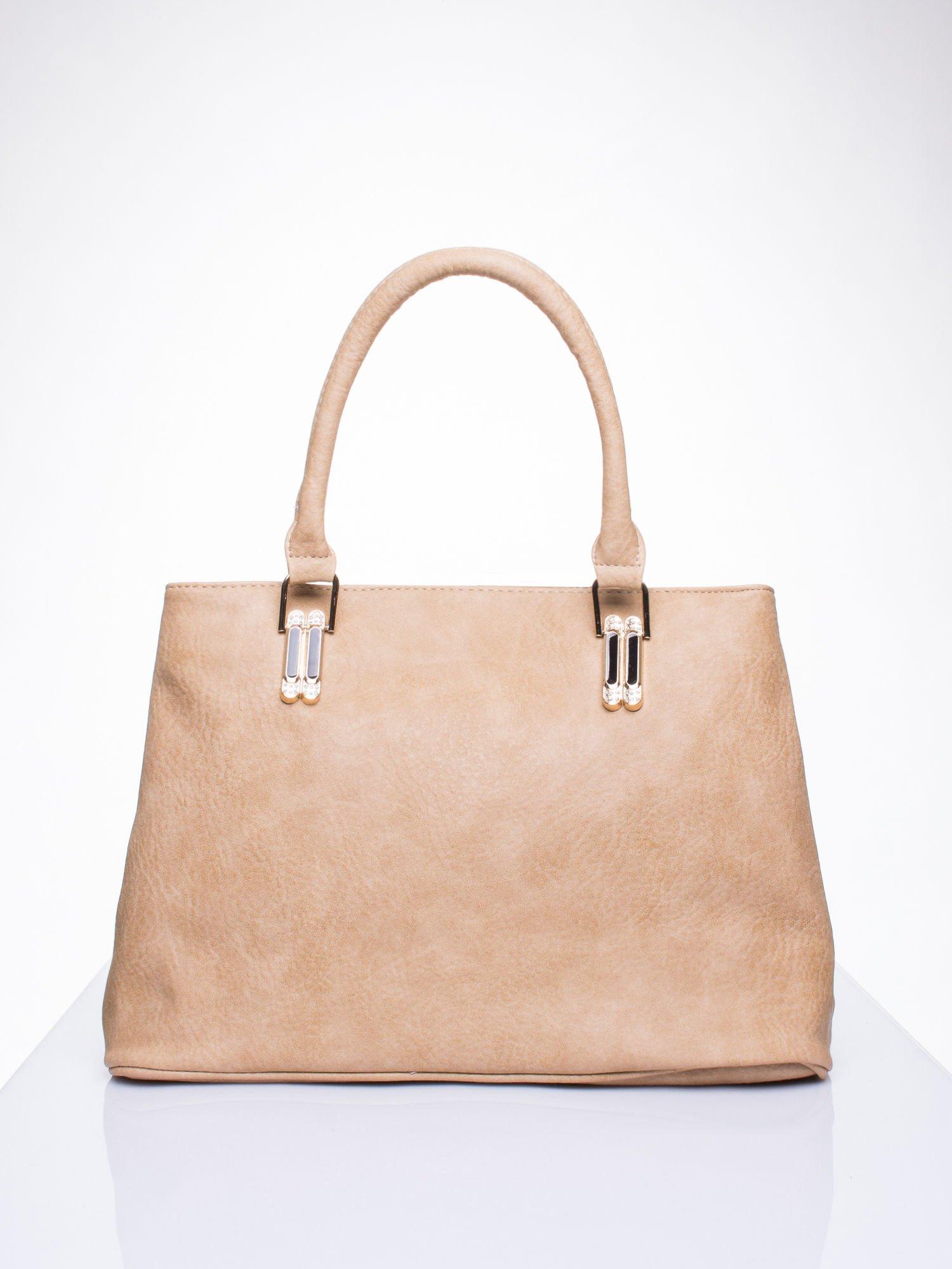 Jasnobrązowa torebka ze złotymi okuciami z kryształkami                                  zdj.                                  1