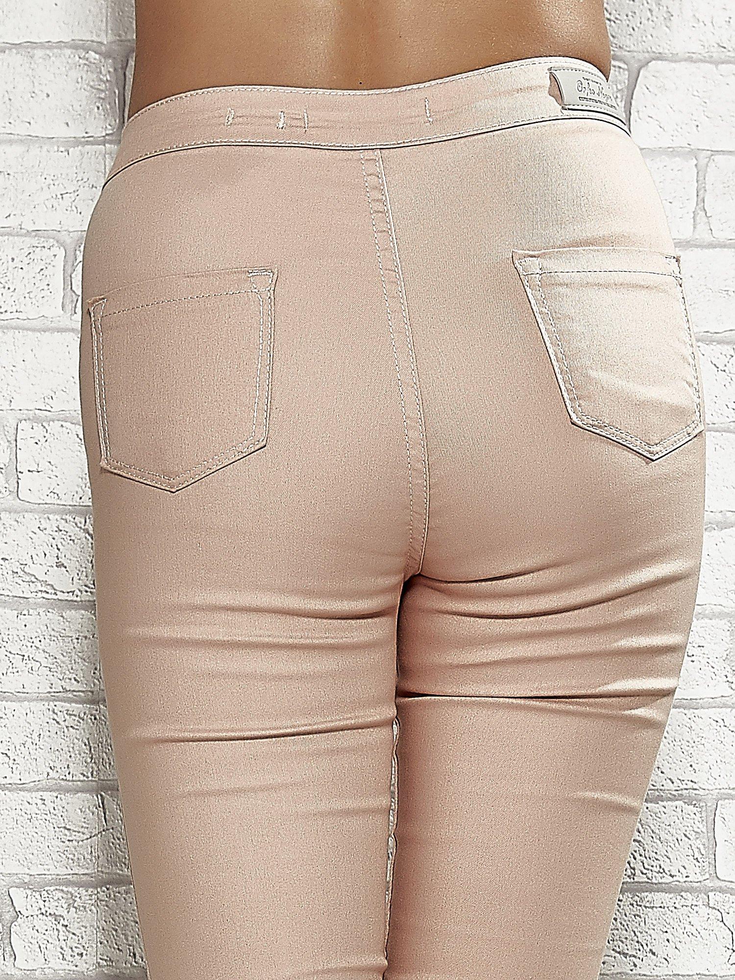 Jasnobrązowe spodnie rurki skinny                                  zdj.                                  6