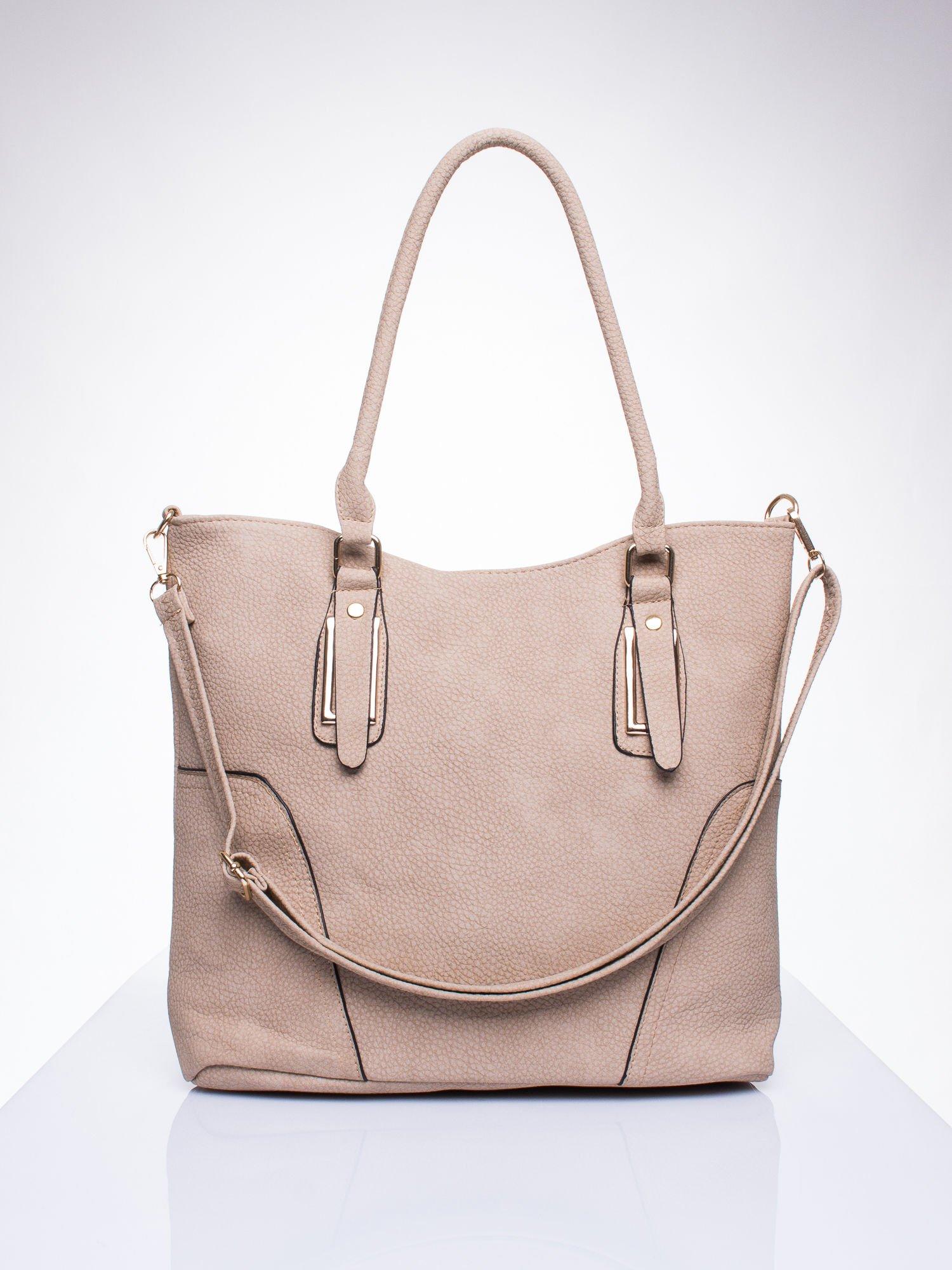 Jasnobrzowa torba shopper bag ze złotymi okuciami przy rączkach                                  zdj.                                  1
