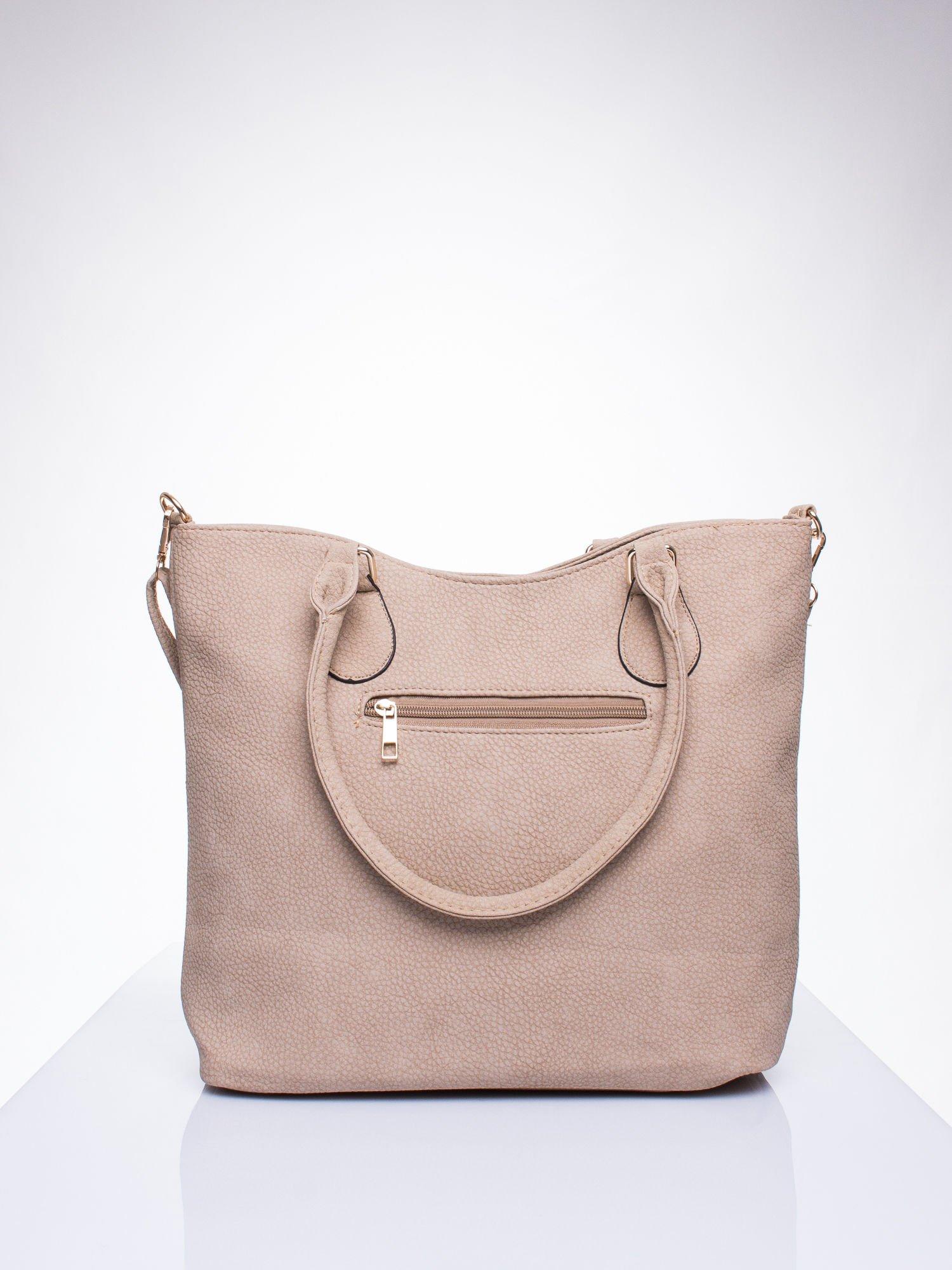 Jasnobrzowa torba shopper bag ze złotymi okuciami przy rączkach                                  zdj.                                  3