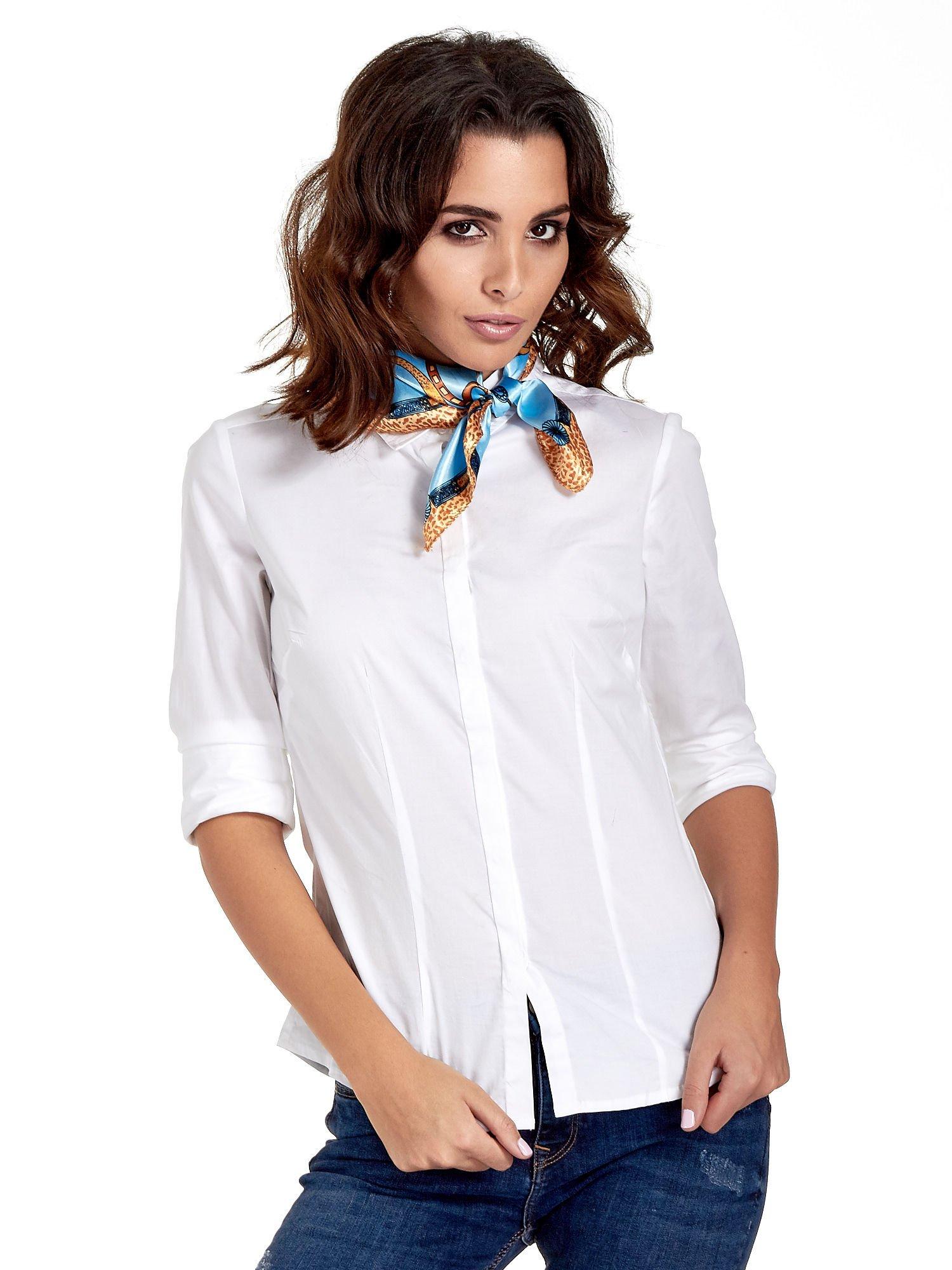 Jasnoniebieska chusta apaszka z kolorowym nadrukiem                                    zdj.                                  1