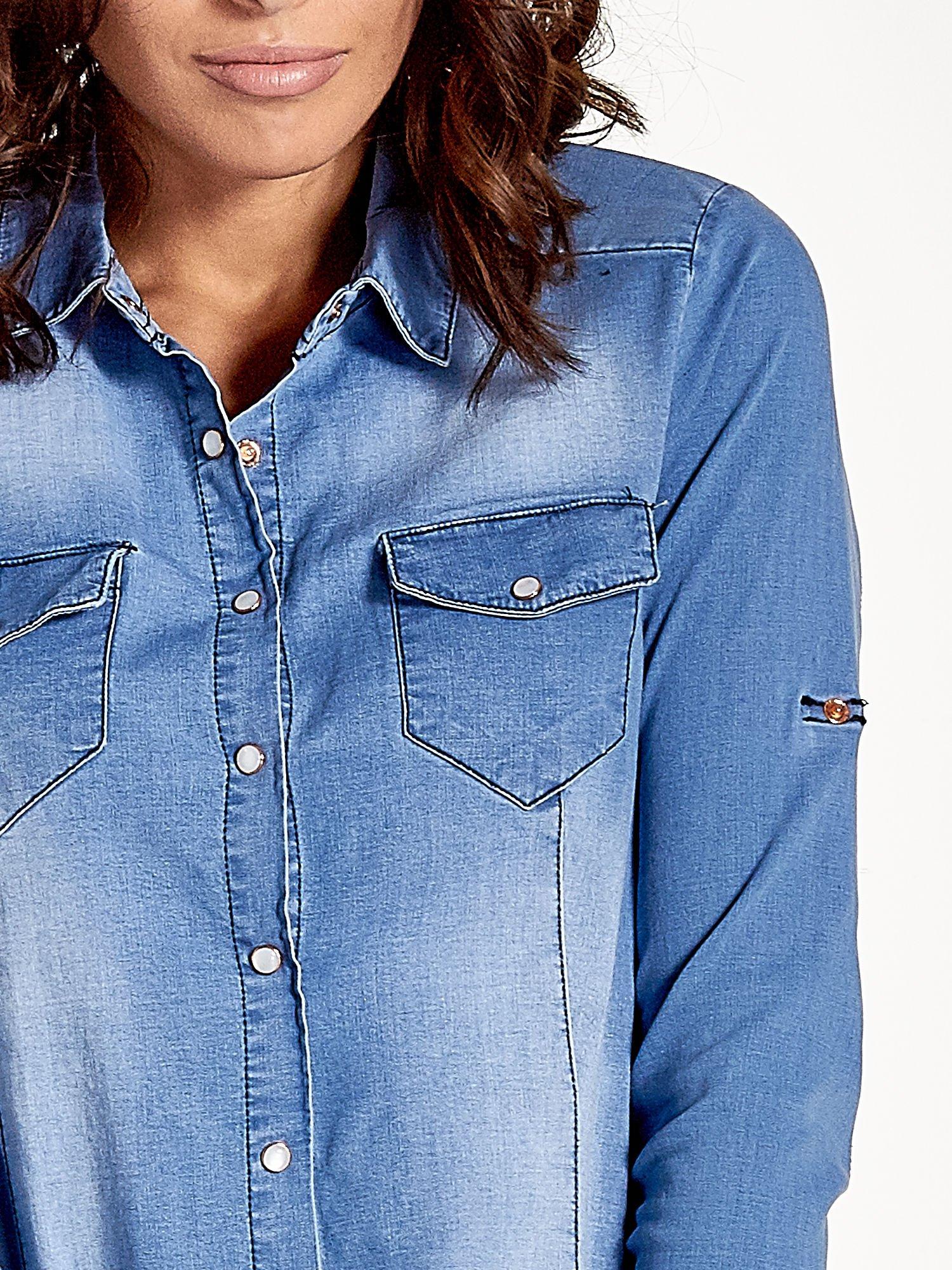 Jasnoniebieska jeansowa koszula z cieniowaniem                                  zdj.                                  5