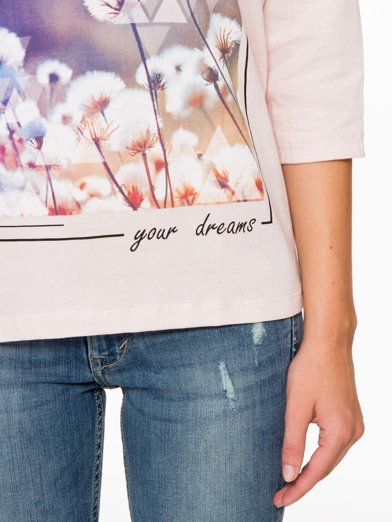 Jasnoróżowa bluzka z napisem FOLLOW YOUR DREAMS                                  zdj.                                  7