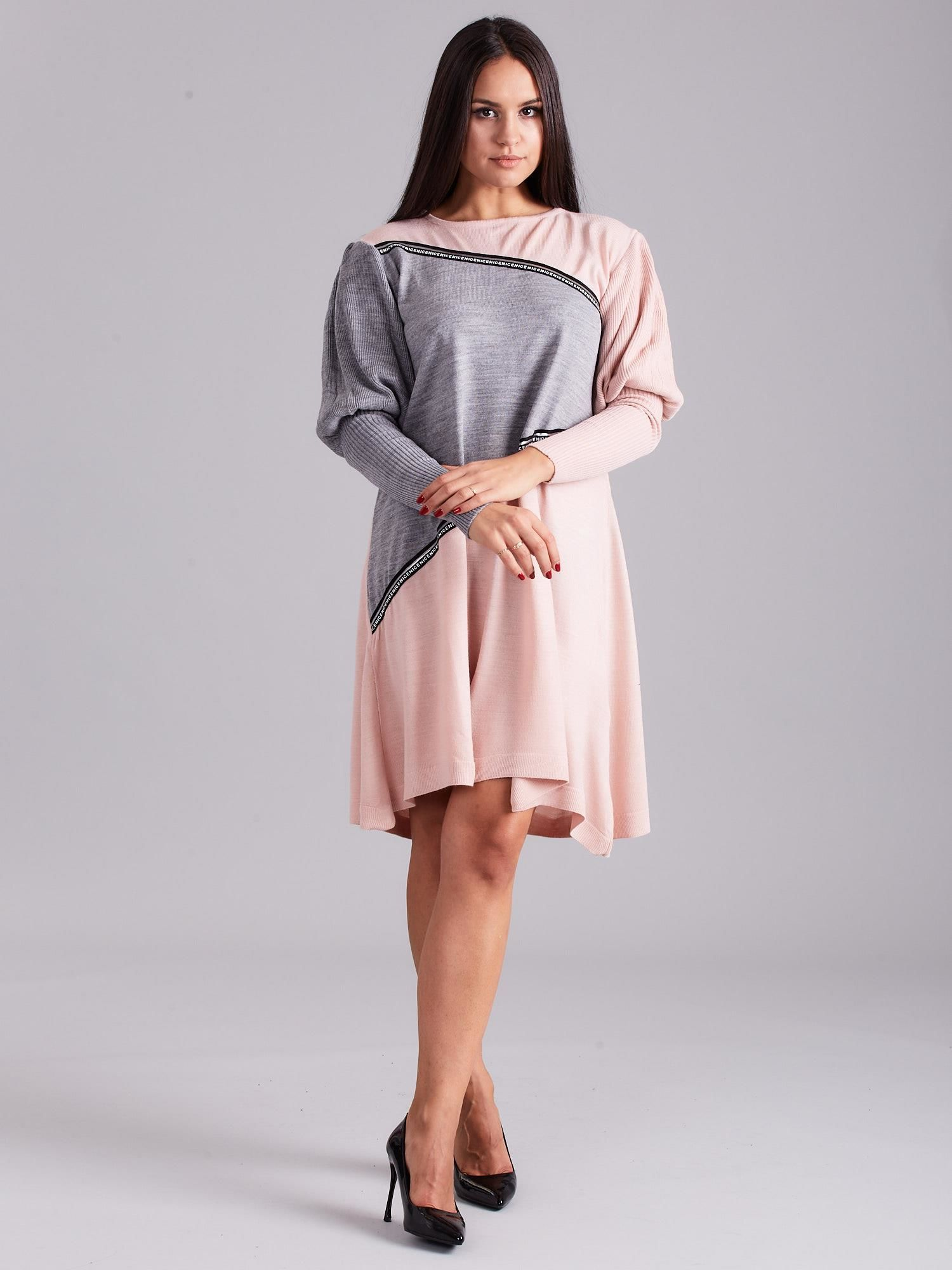 2e73387de0 Jasnoróżowa luźna sukienka z dzianiny - Sukienka dzianinowa - sklep ...