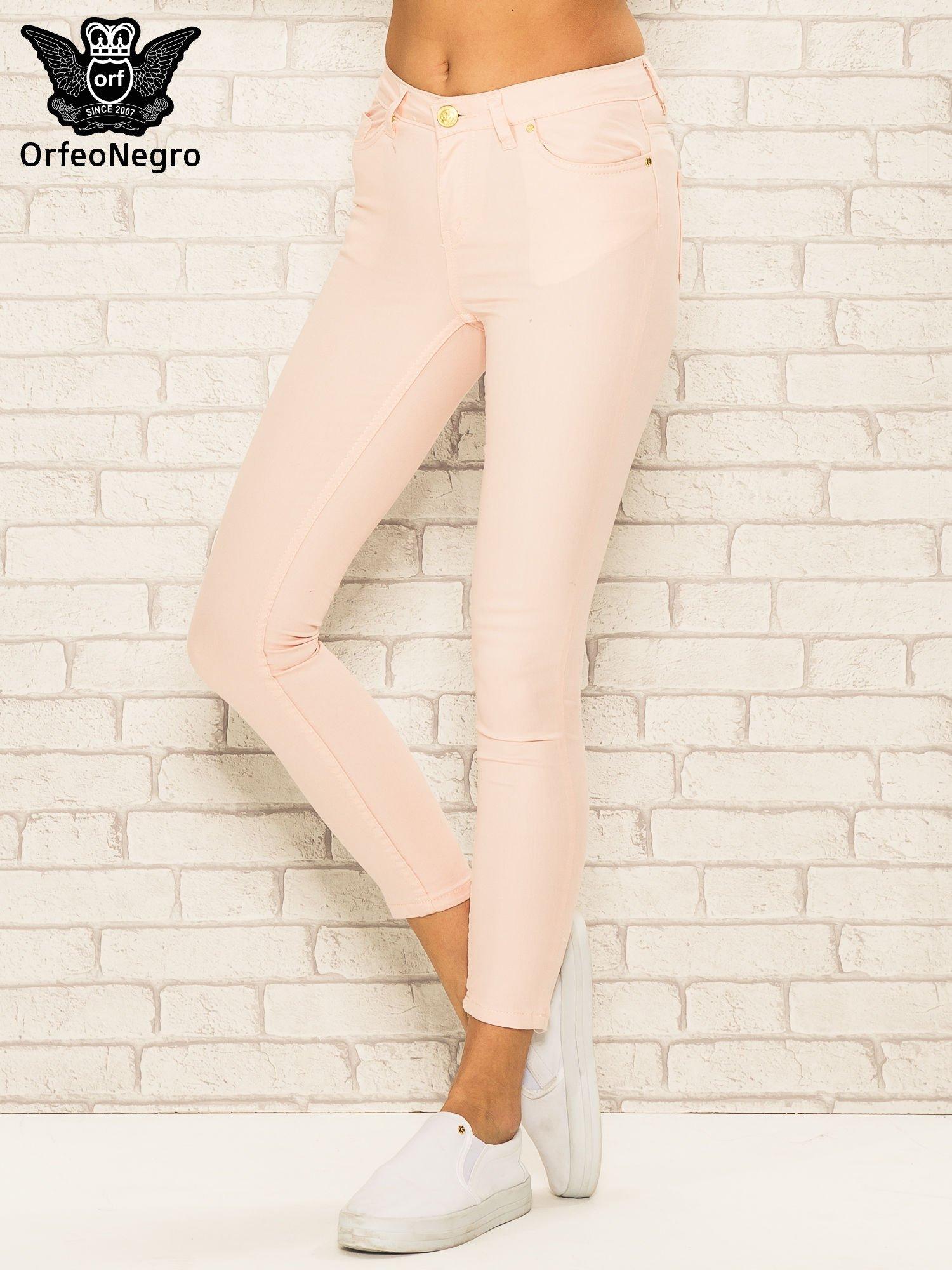 6d6ec9bc Jasnoróżowe spodnie rurki skinny z kieszeniami