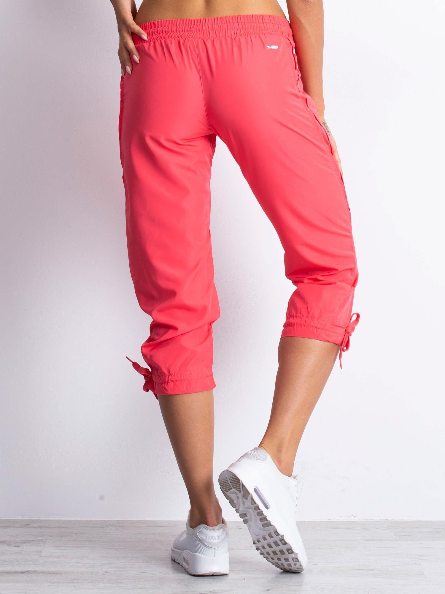 Jasnoróżowe spodnie sportowe capri z siateczką                                  zdj.                                  5