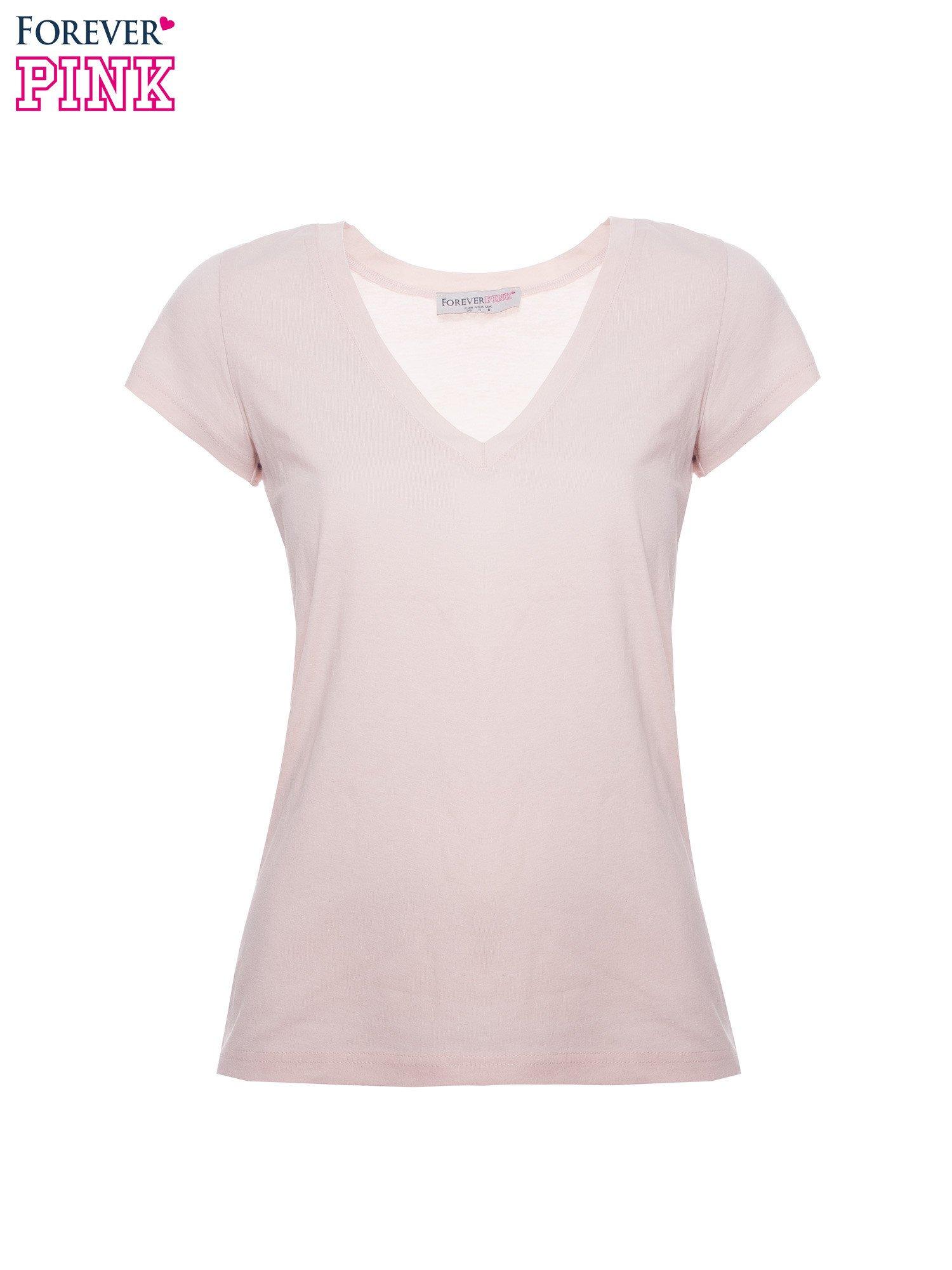 Jasnoróżowy basicowy t-shirt z dekoltem w serek                                  zdj.                                  2