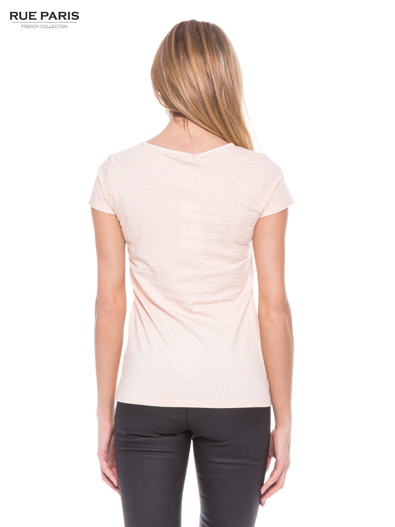 Jasnoróżowy panterkowy t-shirt z transparentnym karczkiem                                  zdj.                                  3