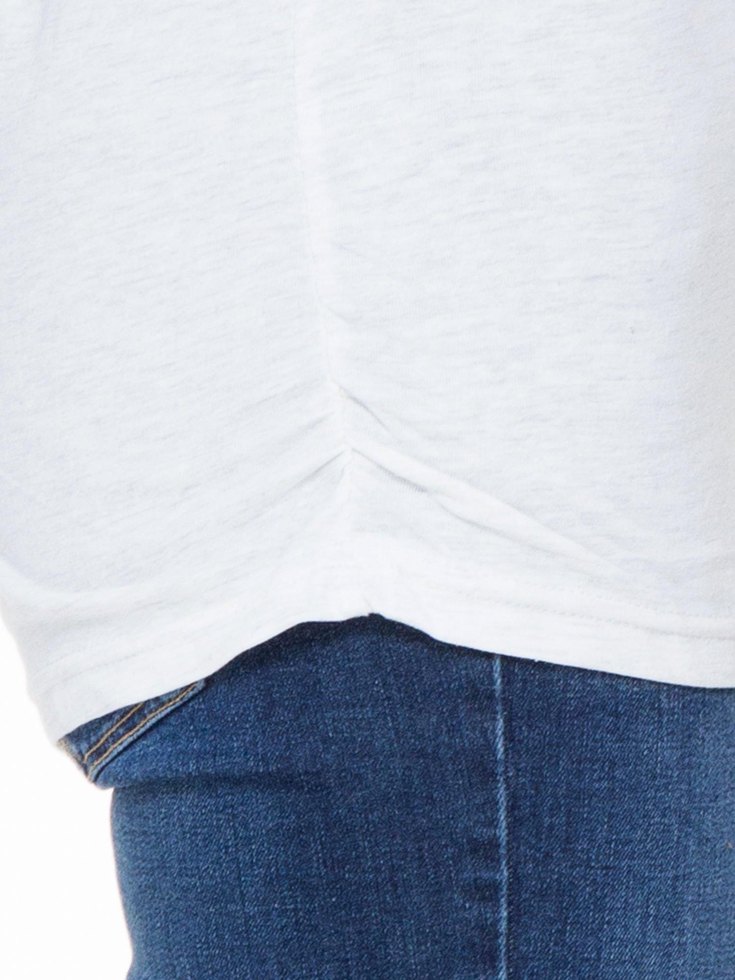 Jasnoszara luźna bluzka z rękawem 3/4                                  zdj.                                  4