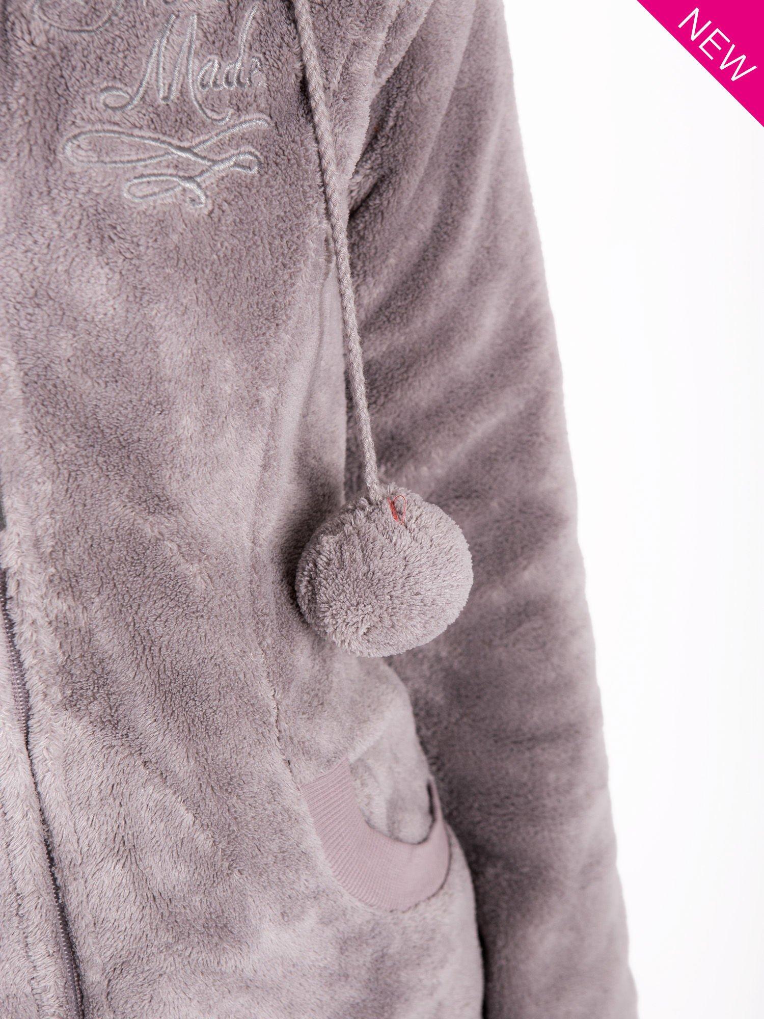 Jasnoszara pluszowa bluza z kapturem z uszkami i pomponami                                  zdj.                                  7