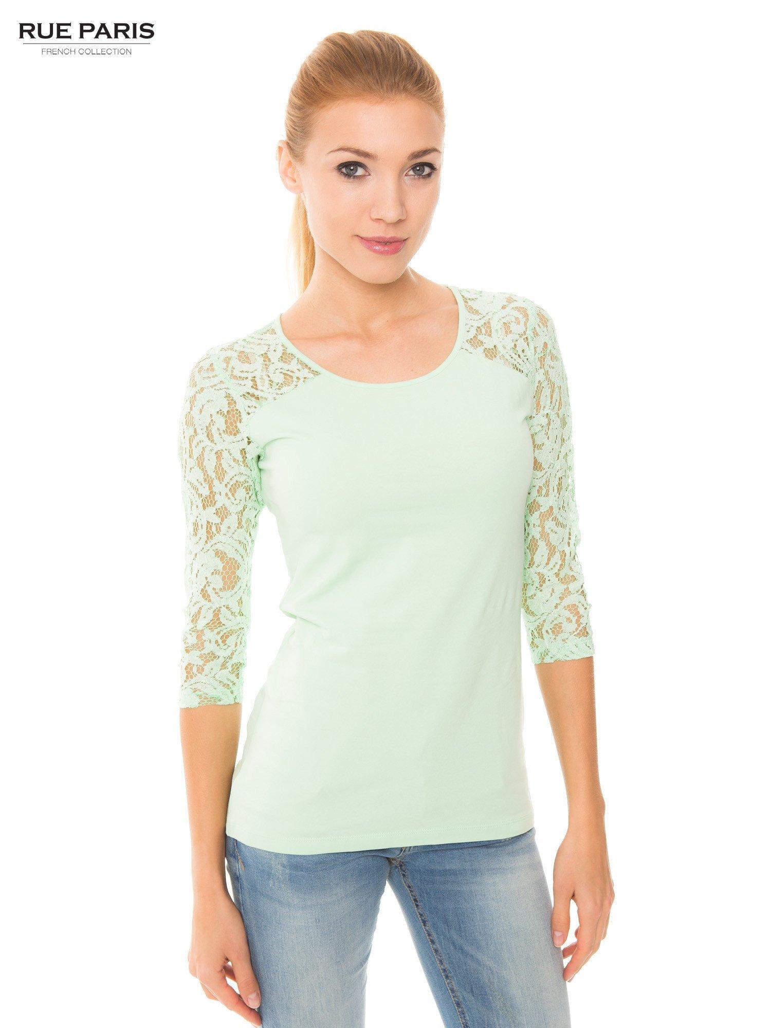 Jasnozielona bluzka z koronkowymi rękawami długości 3/4                                  zdj.                                  1