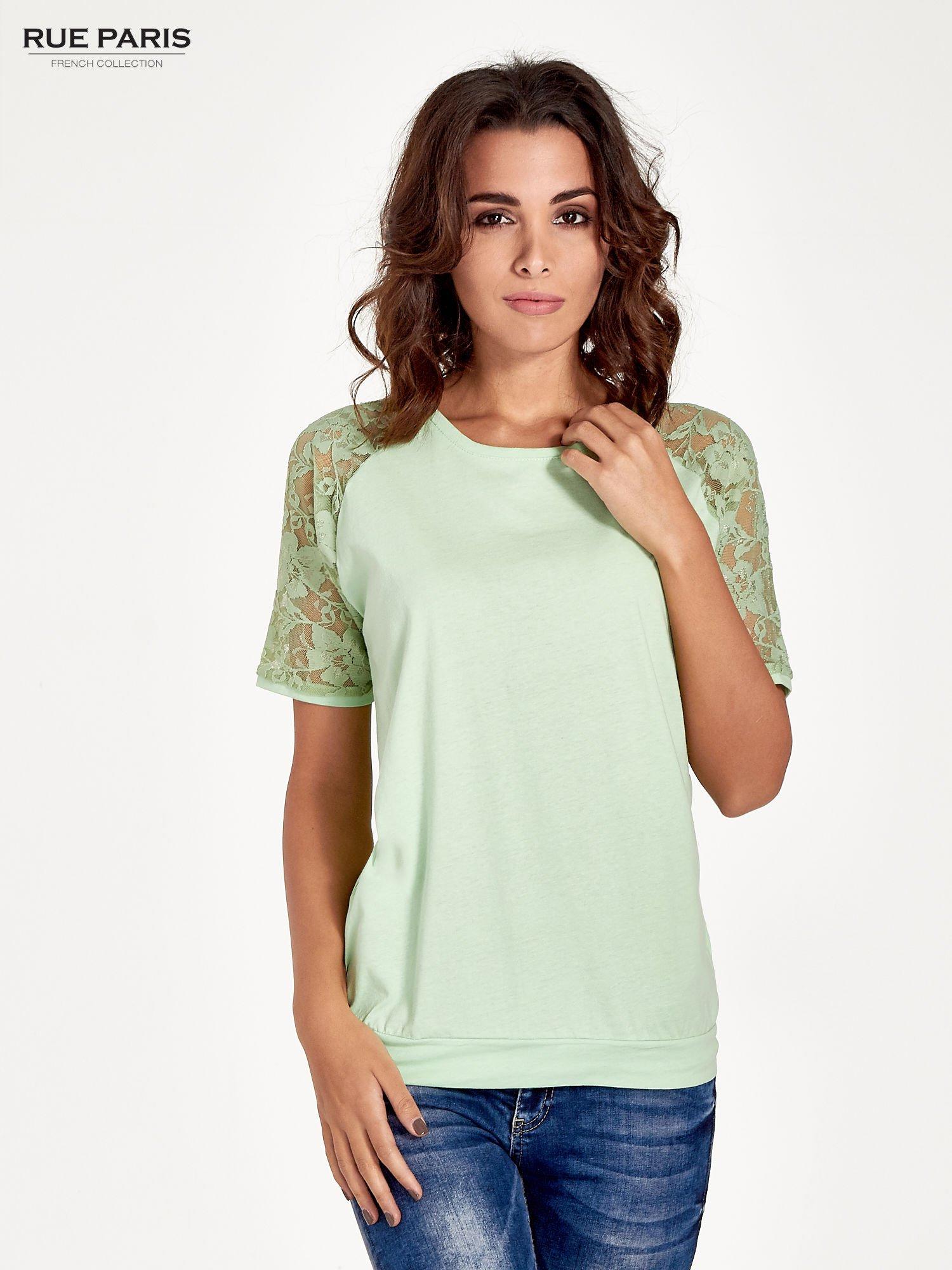 Jasnozielony t-shirt z koronkowymi rękawami długości 3/4                                  zdj.                                  1