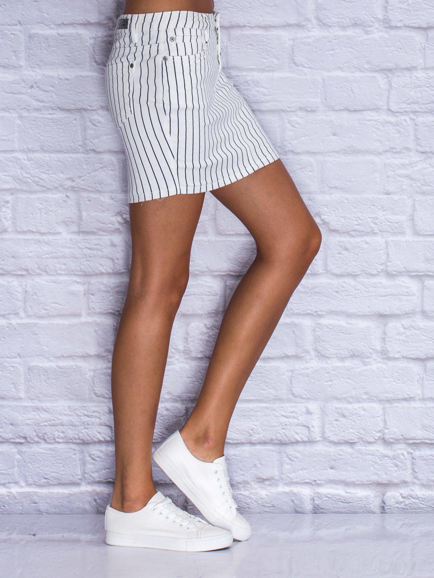 Jeansowa minispódnica w biało-granatowe paski                                  zdj.                                  5