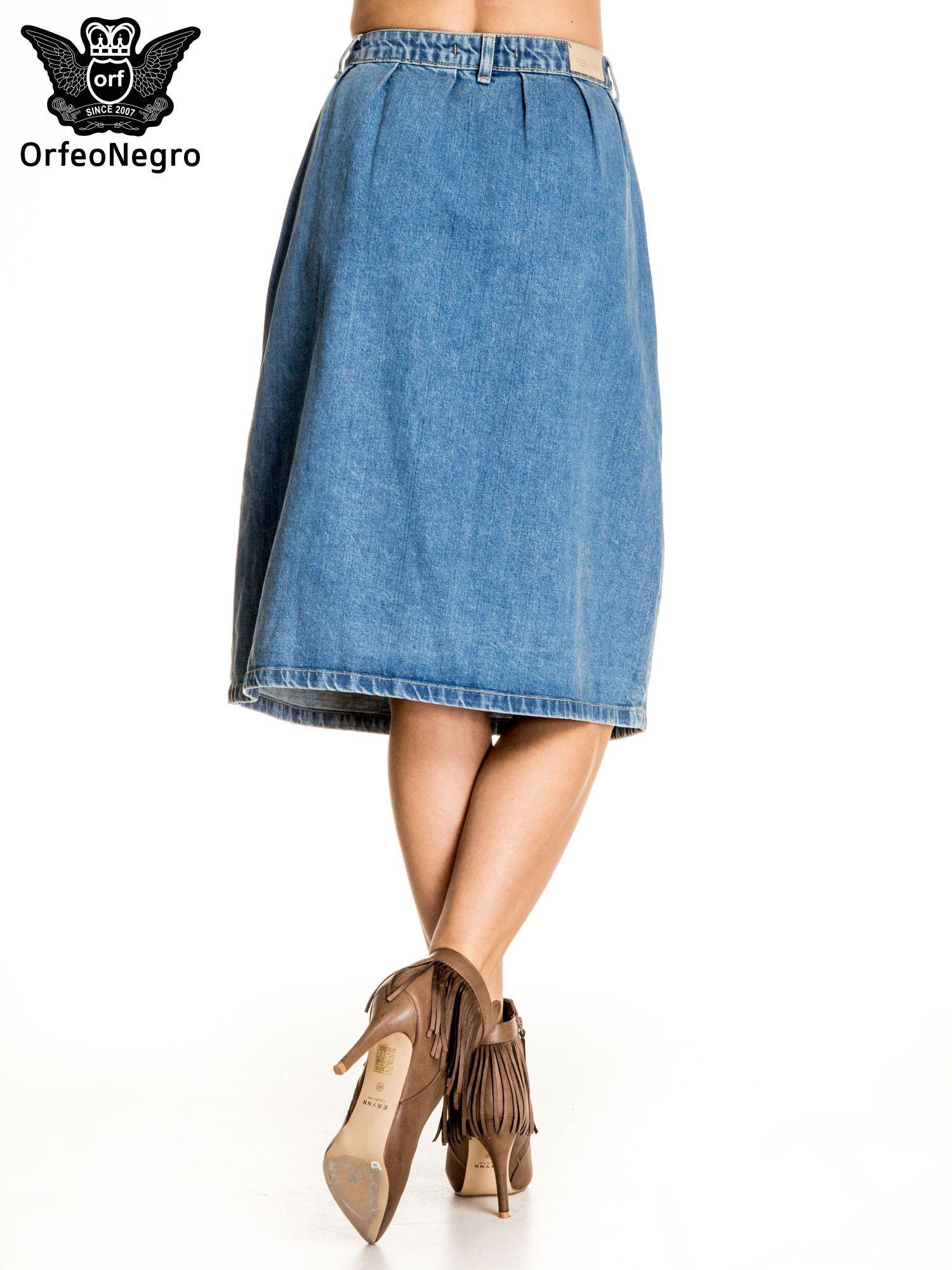 Jeansowa spódnica z guzikami w stylu vintage                                  zdj.                                  3