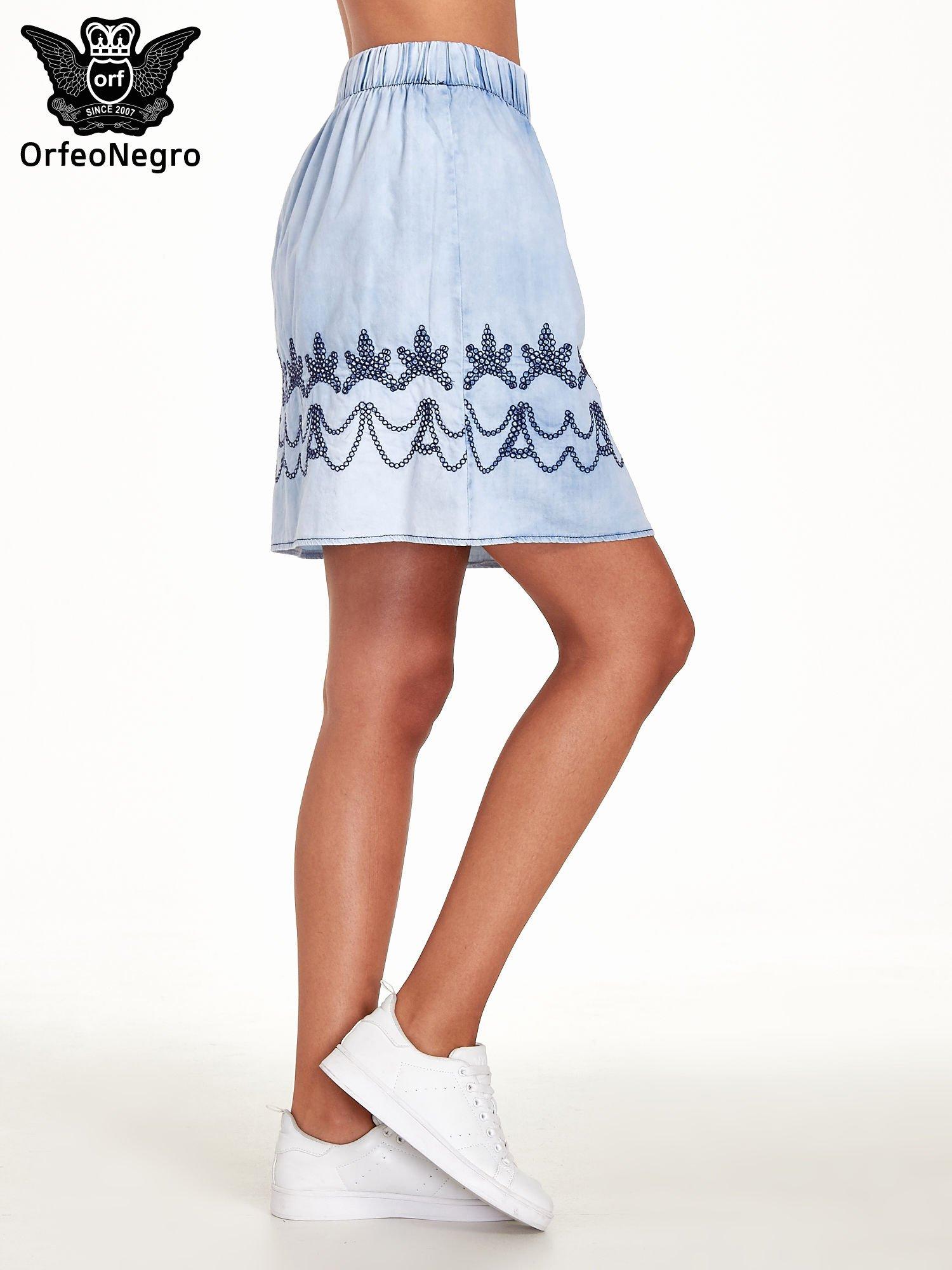 Jeansowa spódnica z haftem                                  zdj.                                  3