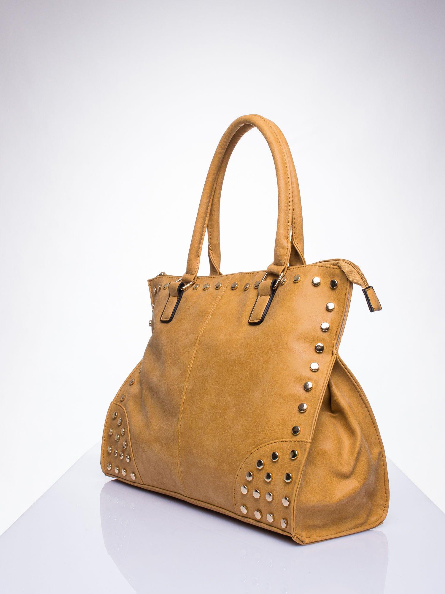 Karmelowa torba shopper bag ze złotymi ćwiekami                                  zdj.                                  2