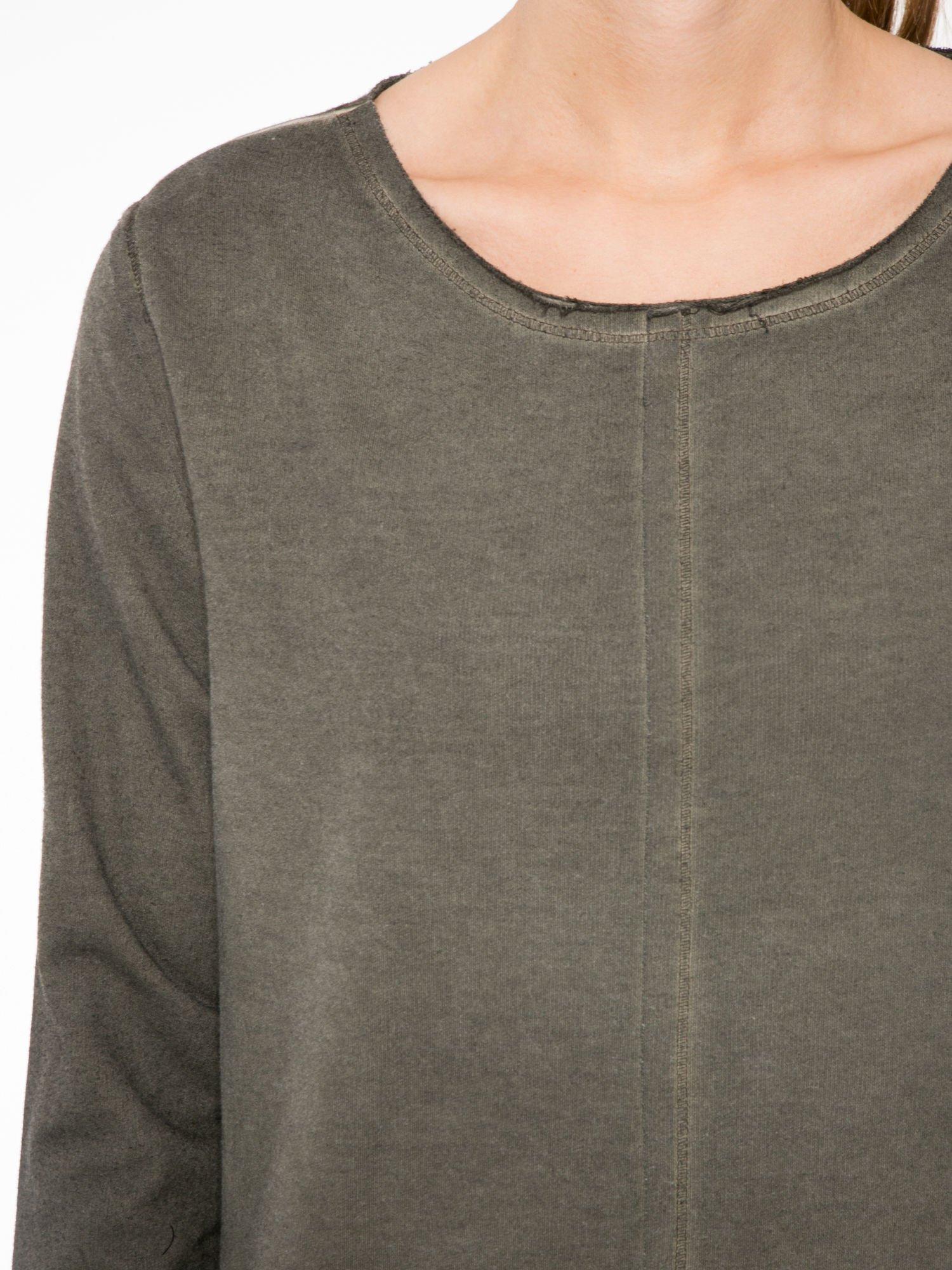 Khaki bluza z surowym wykończeniem i widocznymi szwami                                  zdj.                                  5