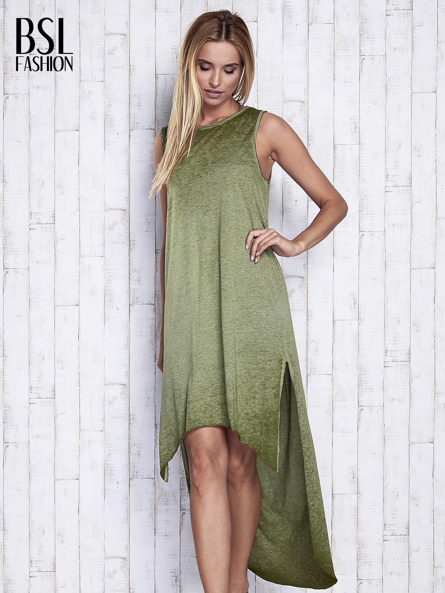 Khaki dekatyzowana sukienka maxi z dłuższym tyłem                                  zdj.                                  3