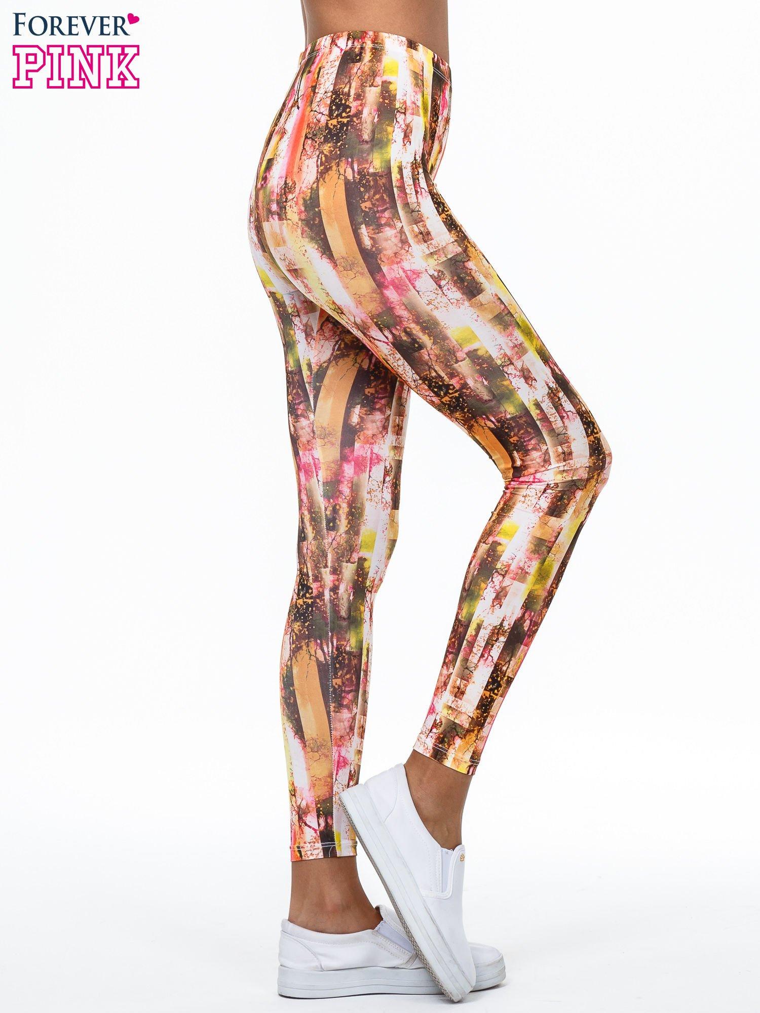 Kolorowe legginsy z graficznym nadrukiem                                  zdj.                                  3