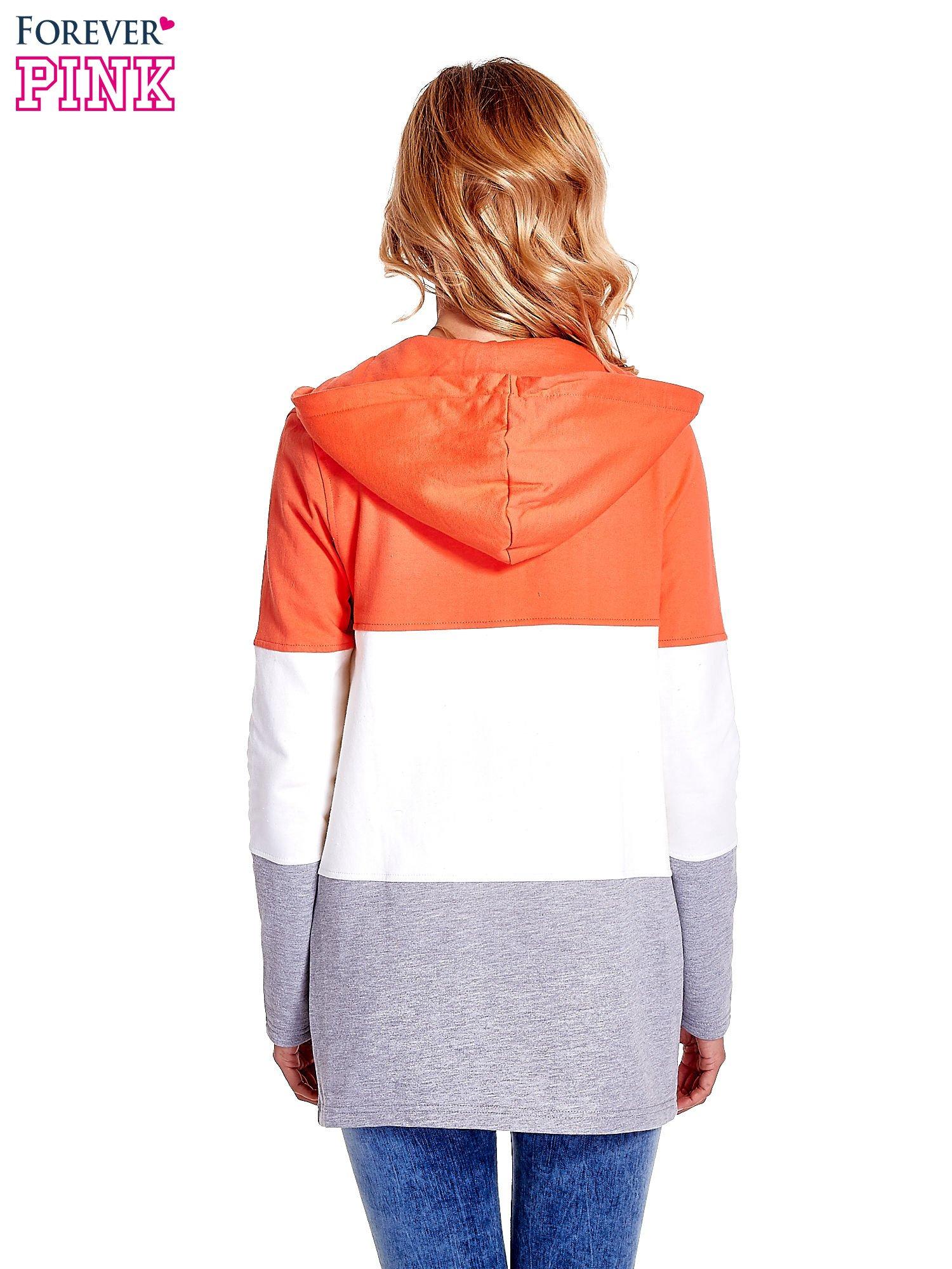 Koralowa bluza w szerokie kolorowe pasy                                  zdj.                                  4