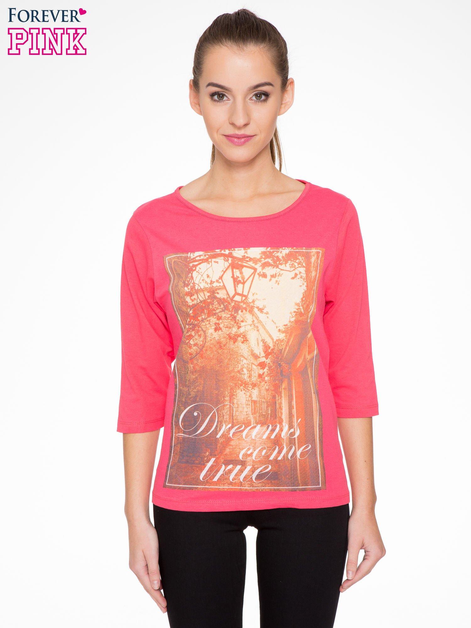 Koralowa bluzka z nadrukiem DREAMS COME TRUE                                  zdj.                                  1