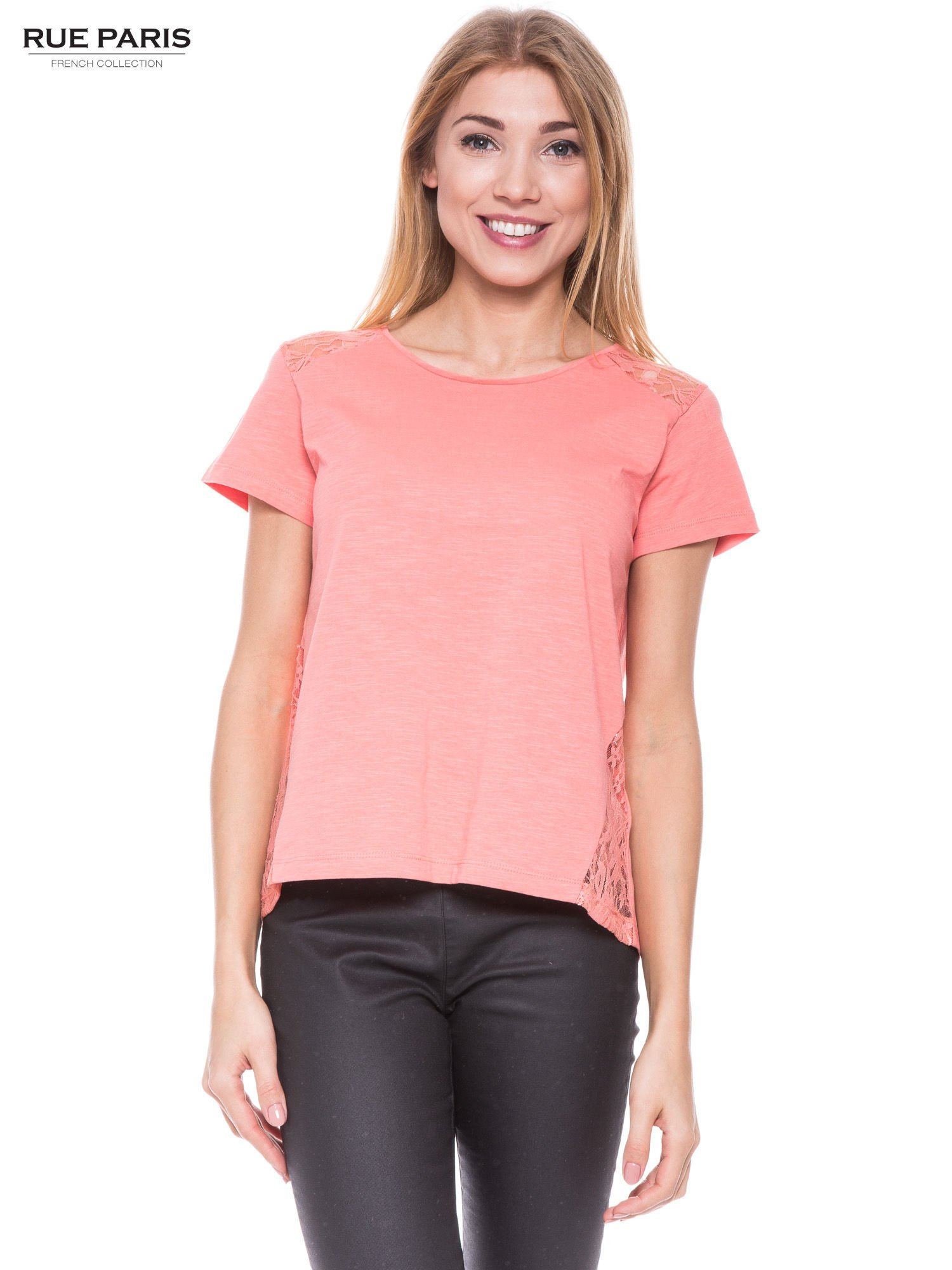 Koralowy t-shirt z koronkowymi wstawkami                                  zdj.                                  1