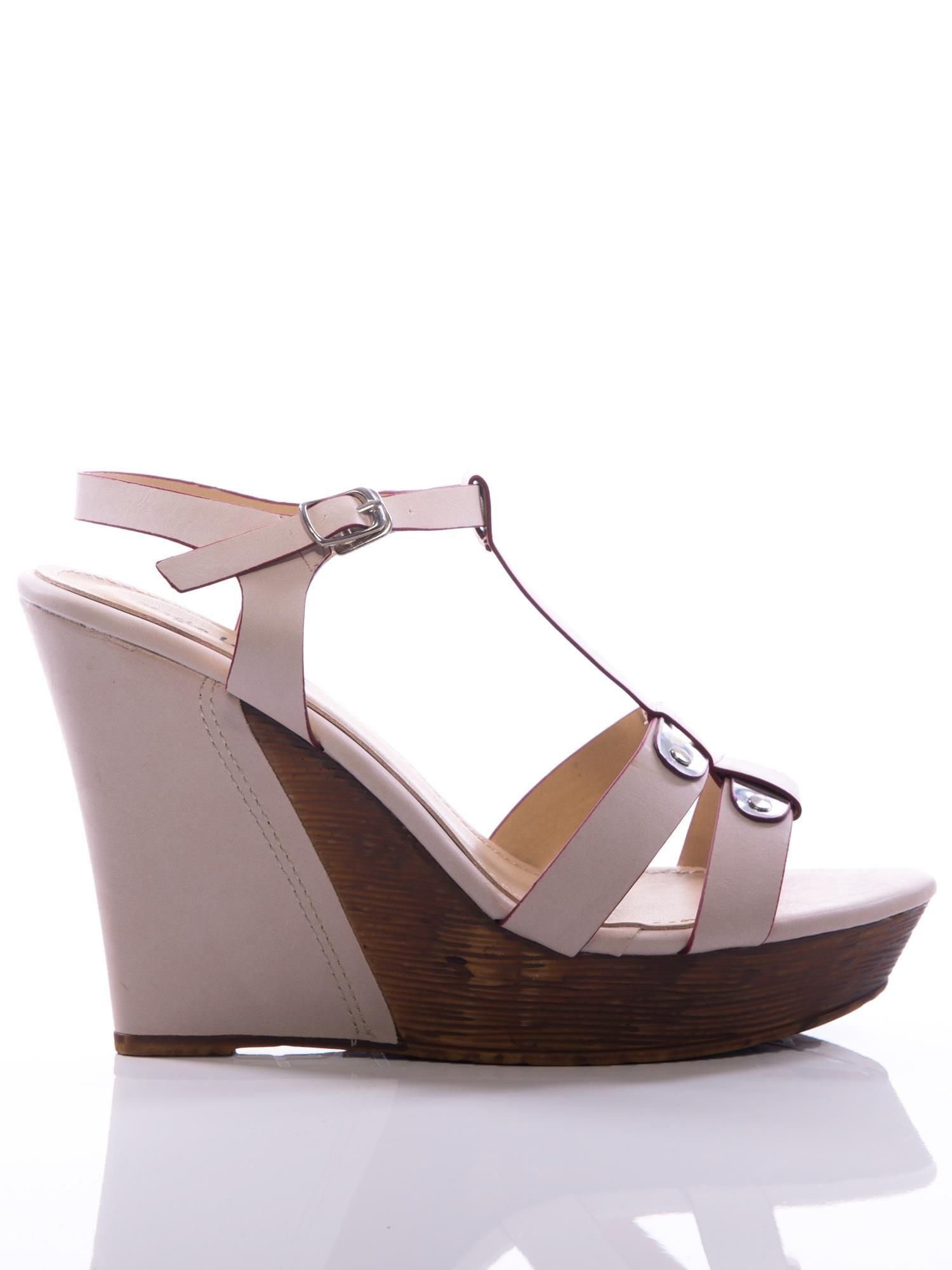 972f83a5029d0 Kremowe sandały Sergio Leone na koturnach - Buty Sandały na koturnie ...