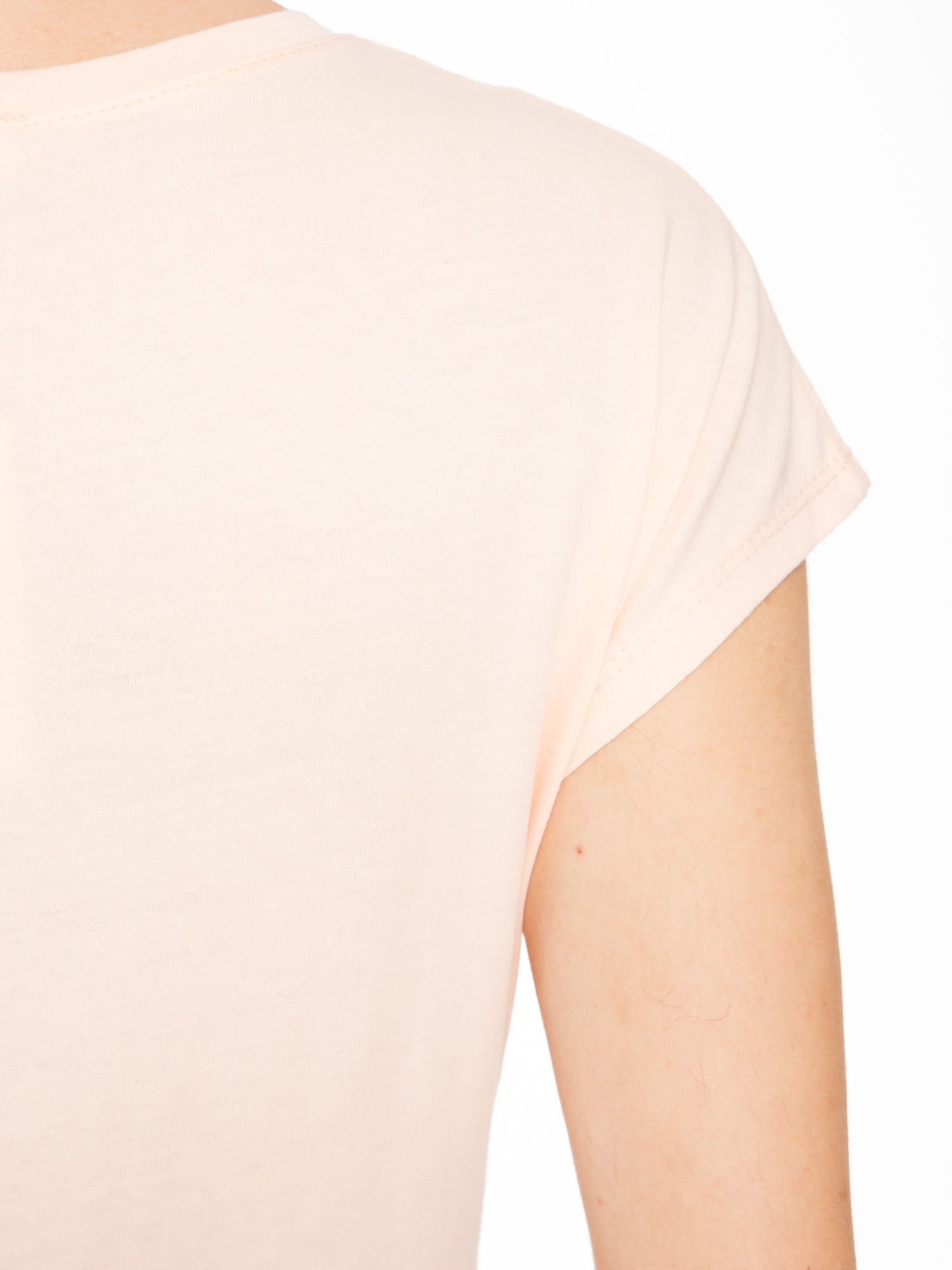 Łososiowy t-shirt z napisem EVERYTHING HAPPENS FOR A REASON                                  zdj.                                  9
