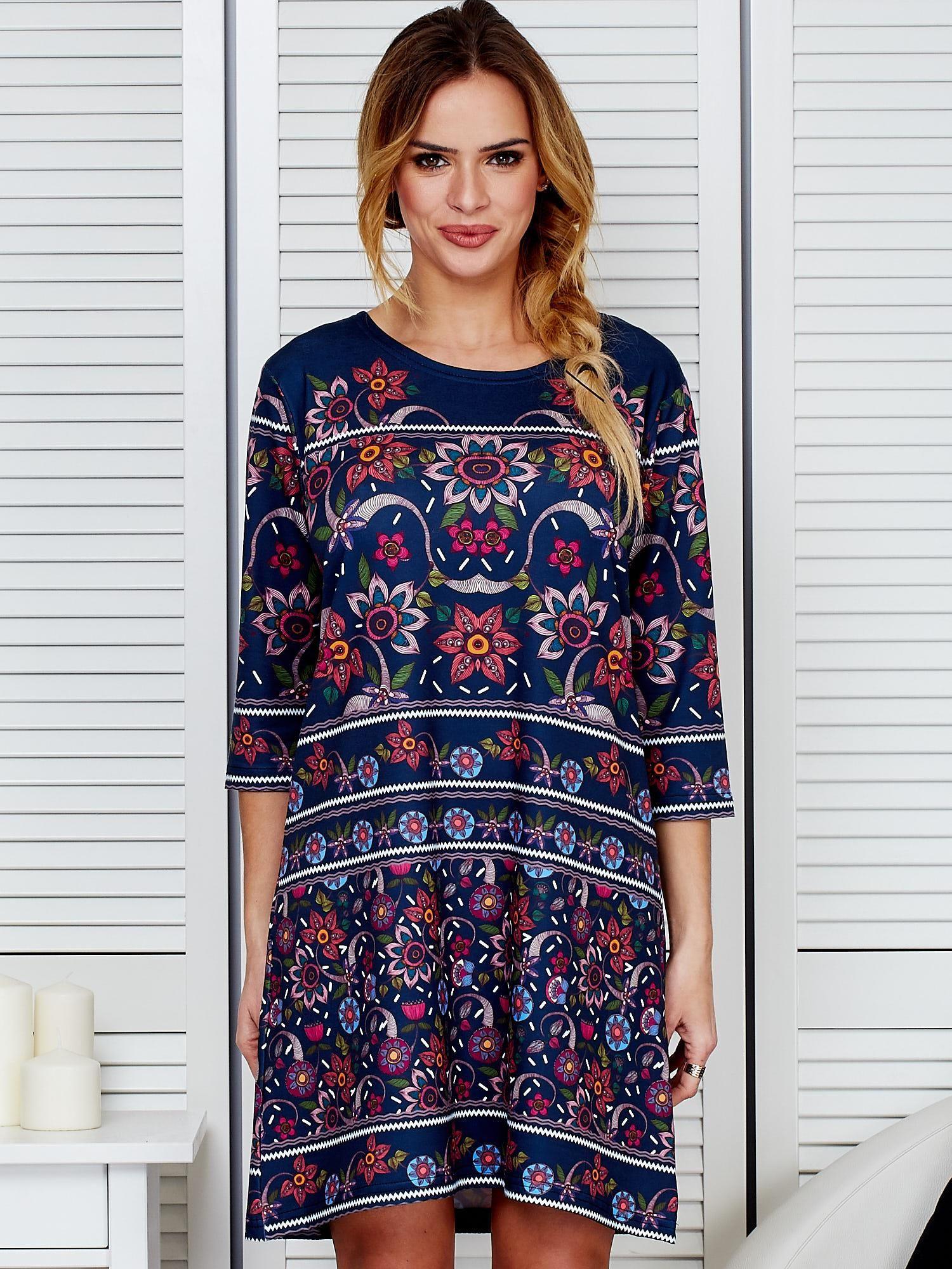 ec64b97838 Luźna sukienka oversize w kwiaty granatowa - Sukienka oversize ...