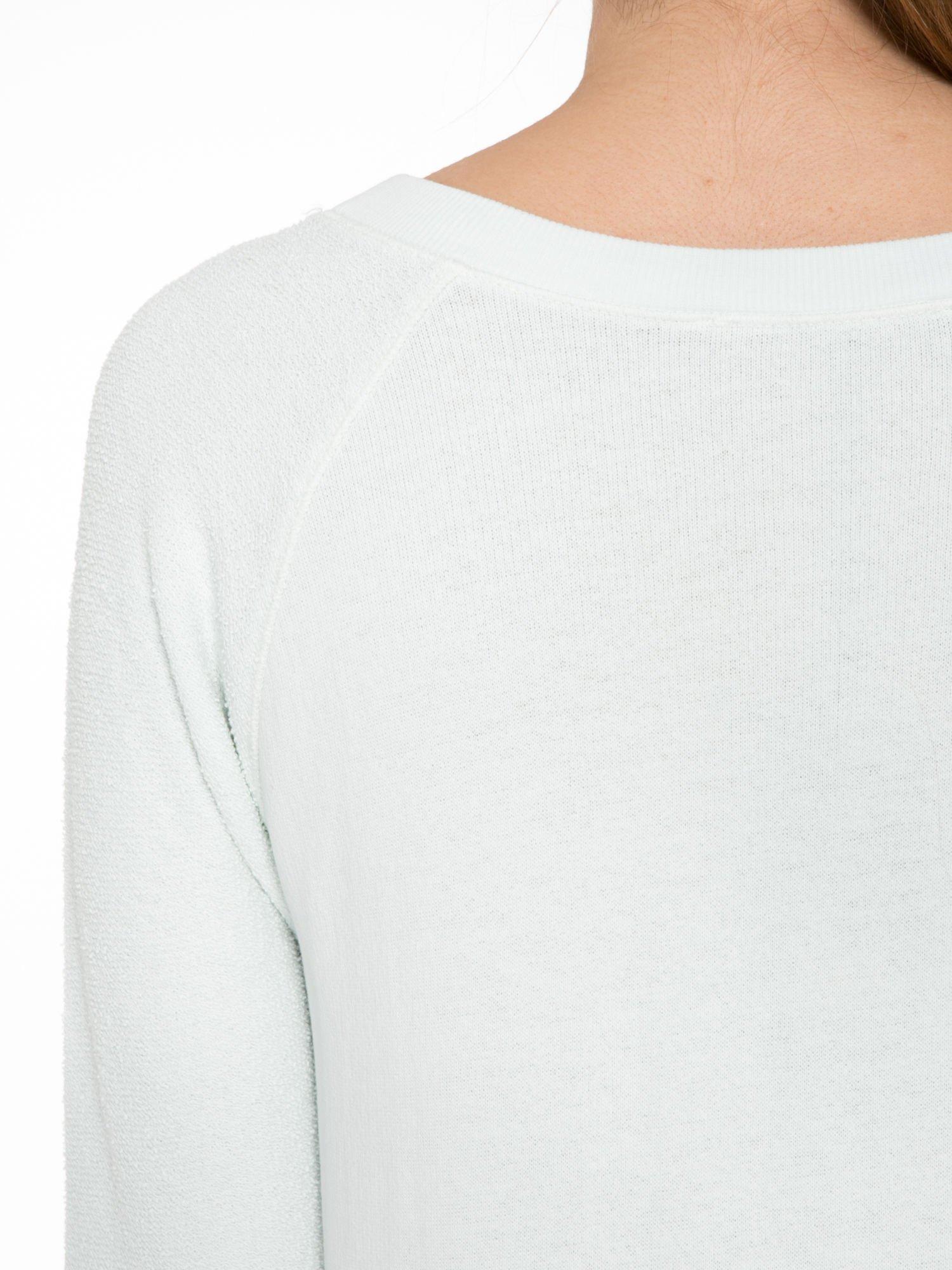 Miętowa bluza oversize z łączonych materiałów                                  zdj.                                  7