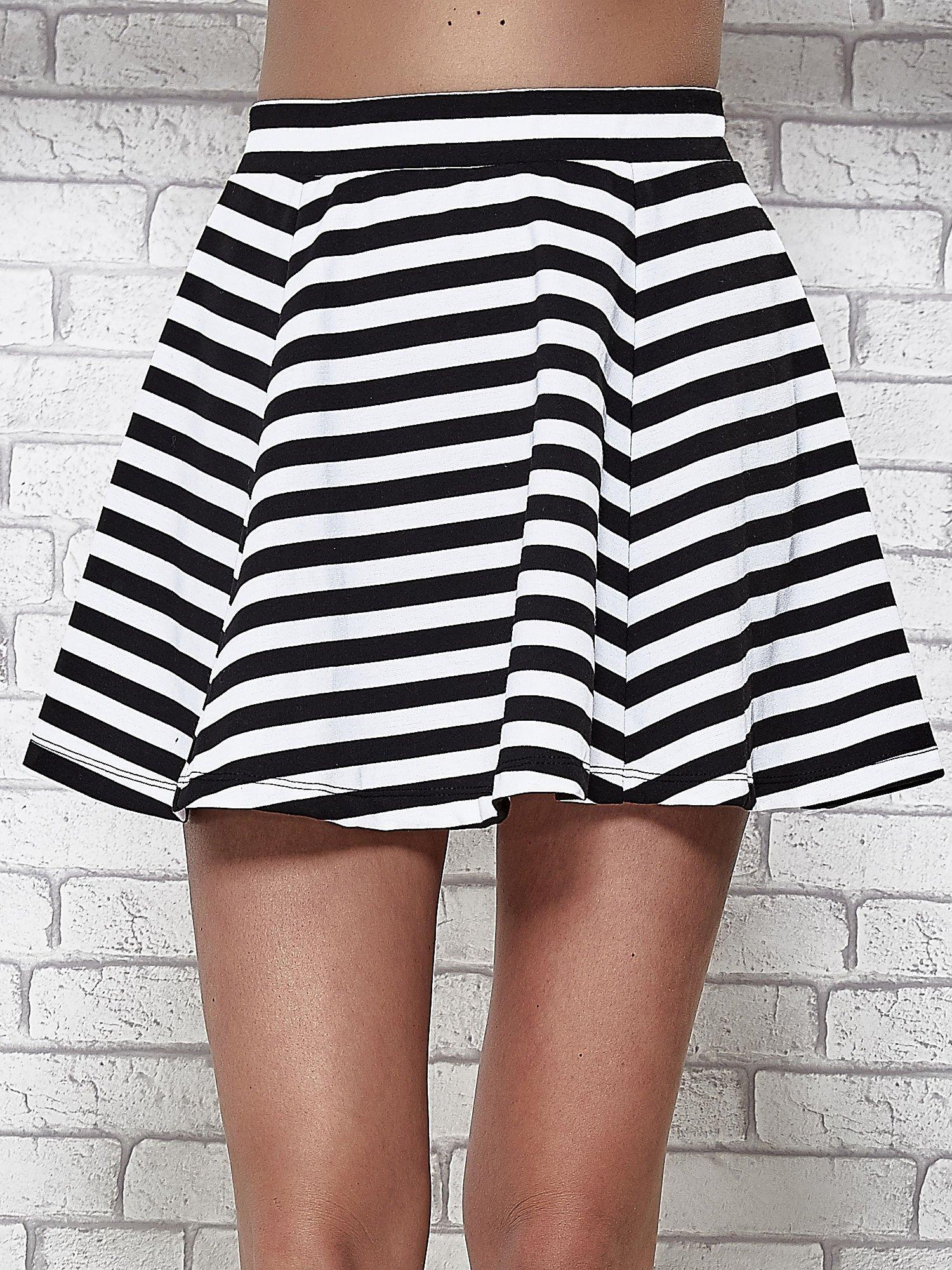 Mini spódnica skater w biało-czarne paski                                  zdj.                                  5