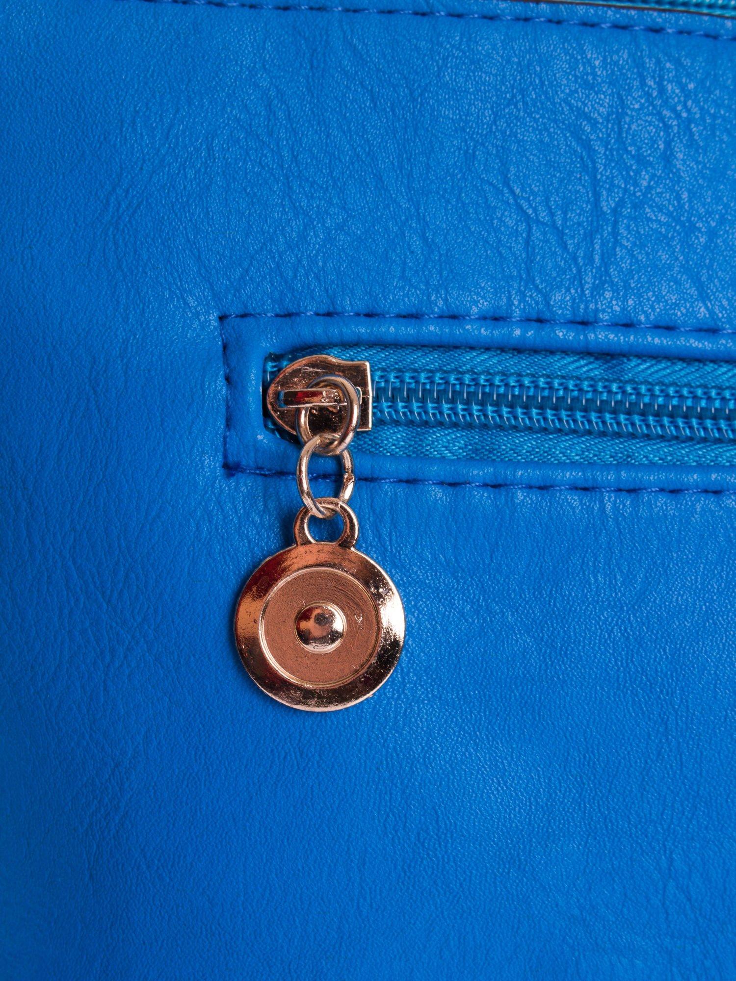 Niebieska ażurowana listonoszka                                  zdj.                                  4