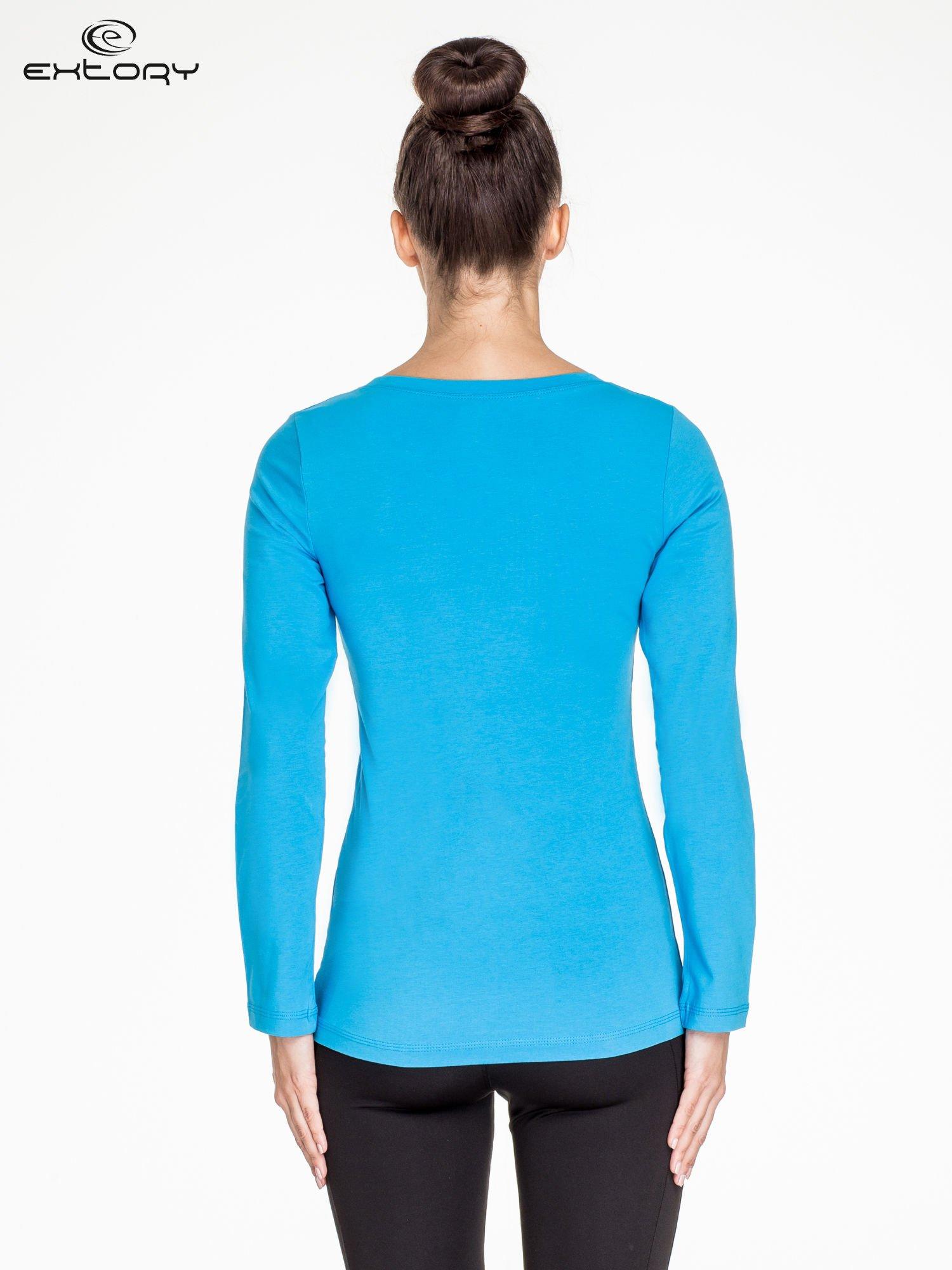 Niebieska bluzka sportowa basic PLUS SIZE                                  zdj.                                  4