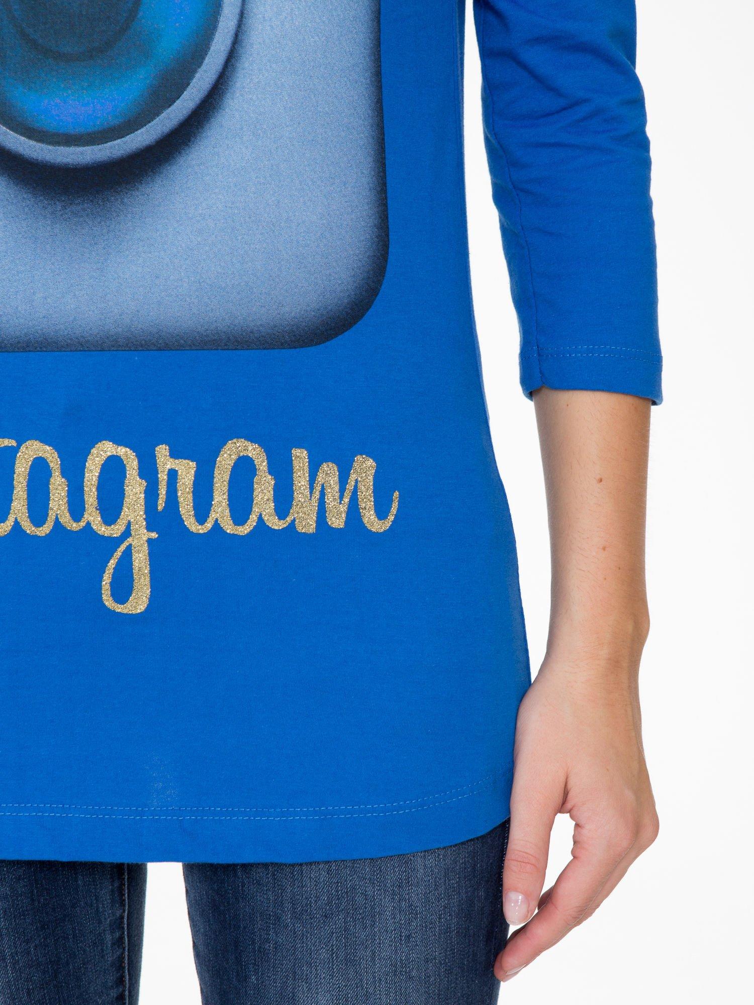 Niebieska bluzka z nadrukiem loga Instagrama                                  zdj.                                  6