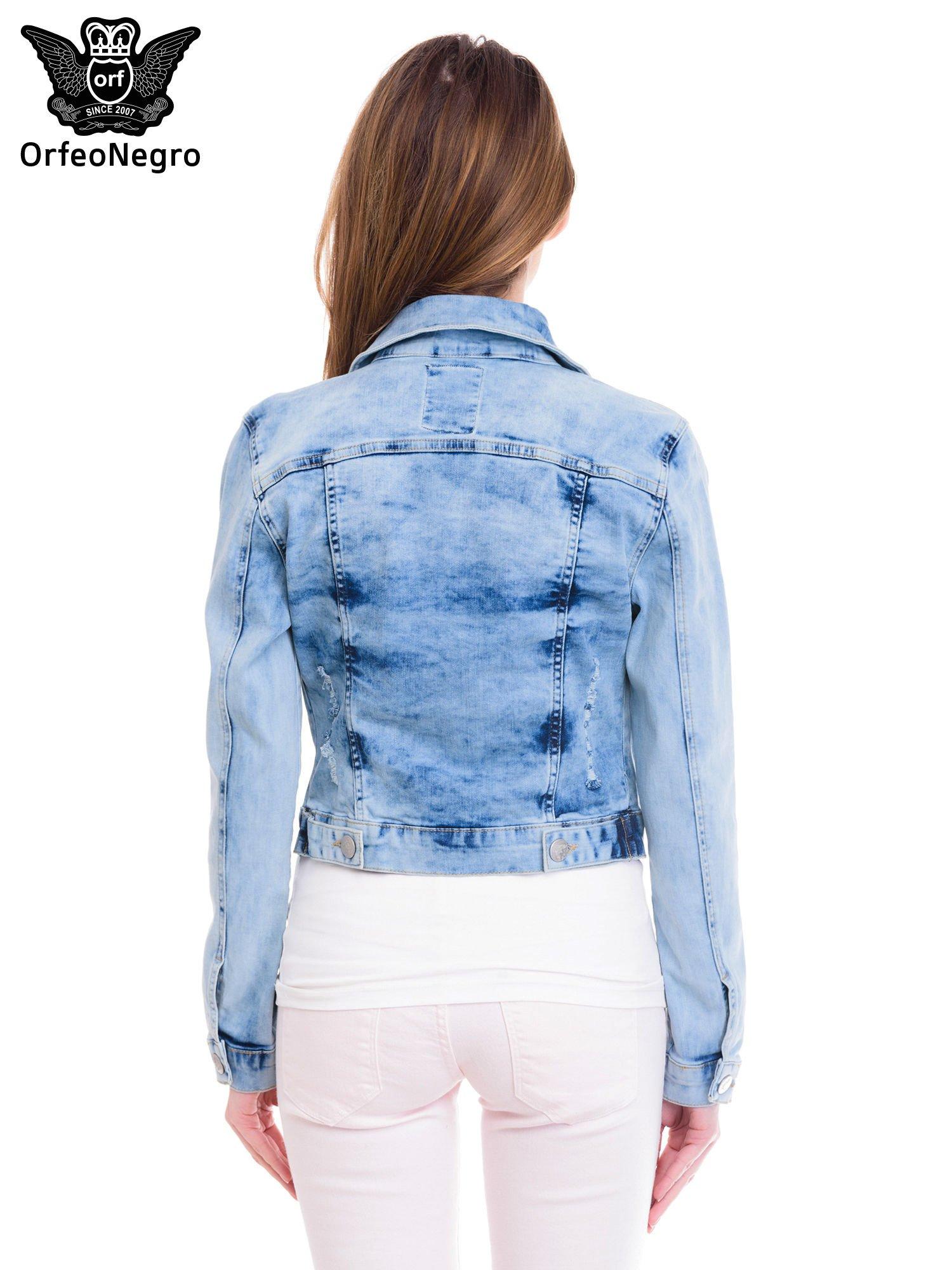 Niebieska kurtka jeansowa damska z cieniowaniem                                  zdj.                                  4
